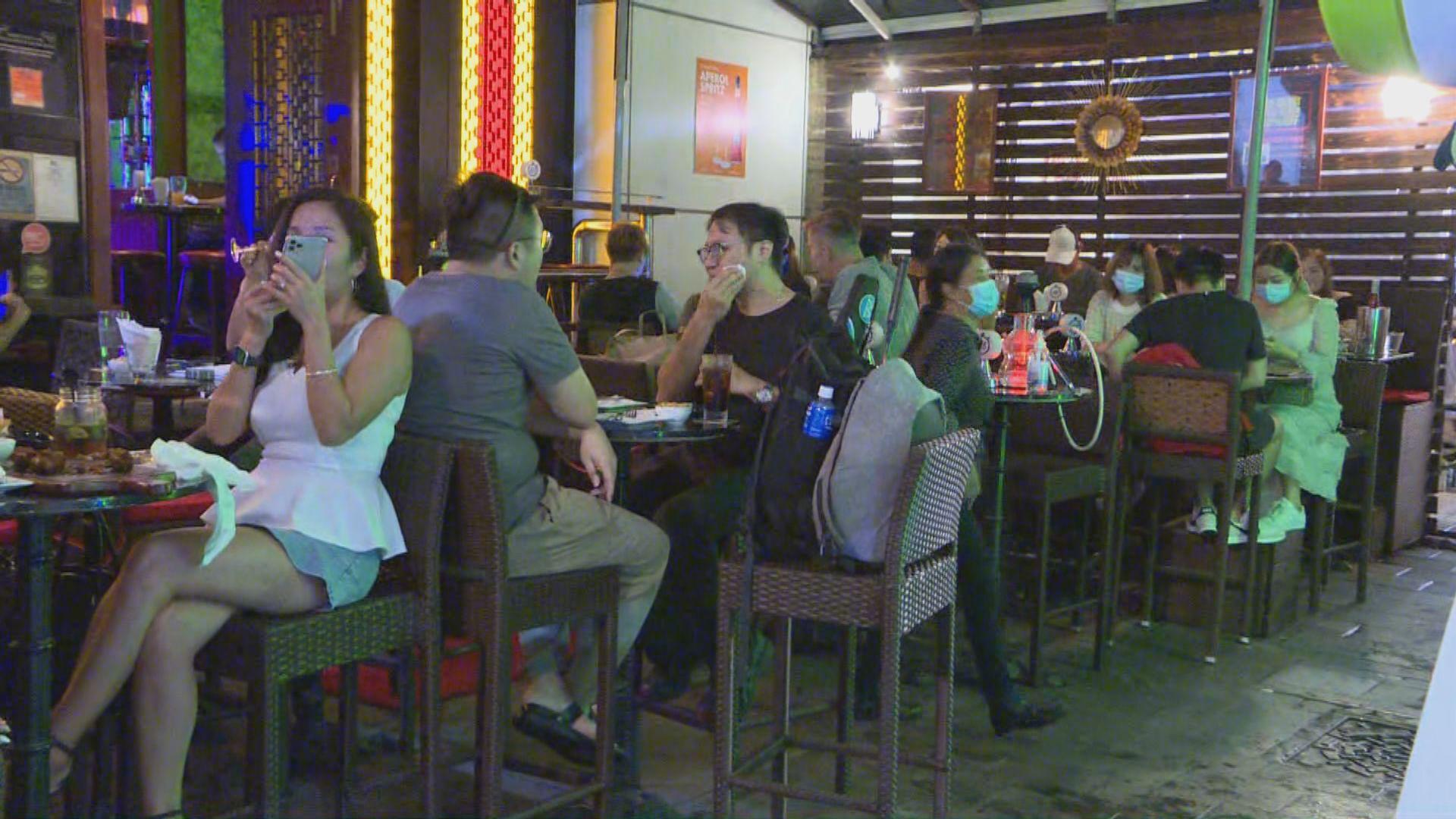 酒吧重開首週末 酒吧街人流不算暢旺