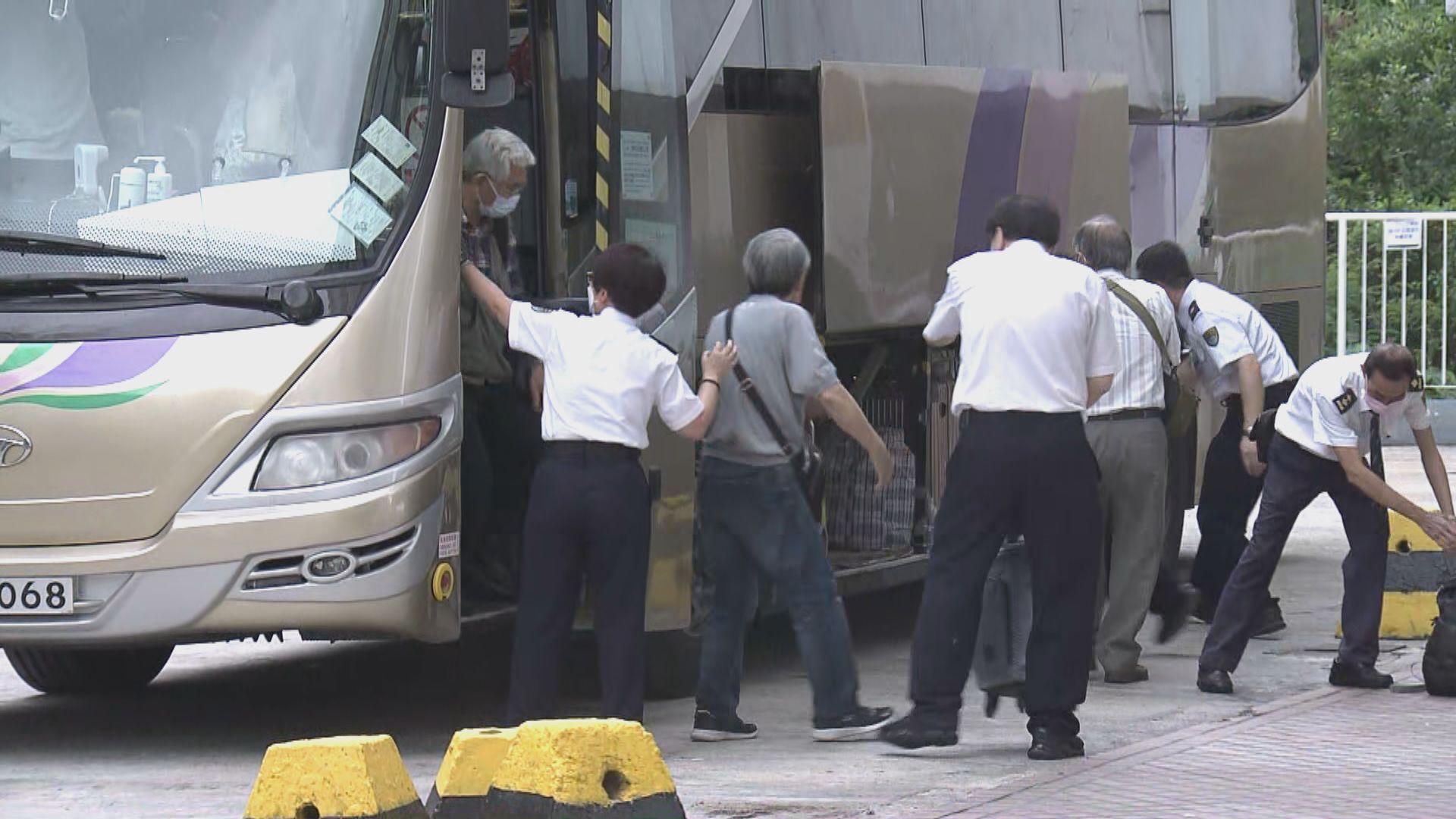 趙恩來:荃威花園R座有數戶仍未離開檢疫中心