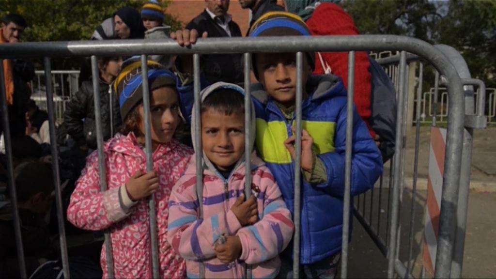全球兒童難民數目佔總數逾半
