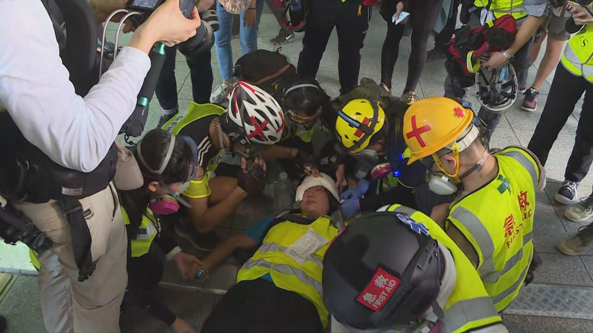 據了解疑中彈眼睛受傷女記者情況嚴重 警方指當時非刻意瞄準記者開槍