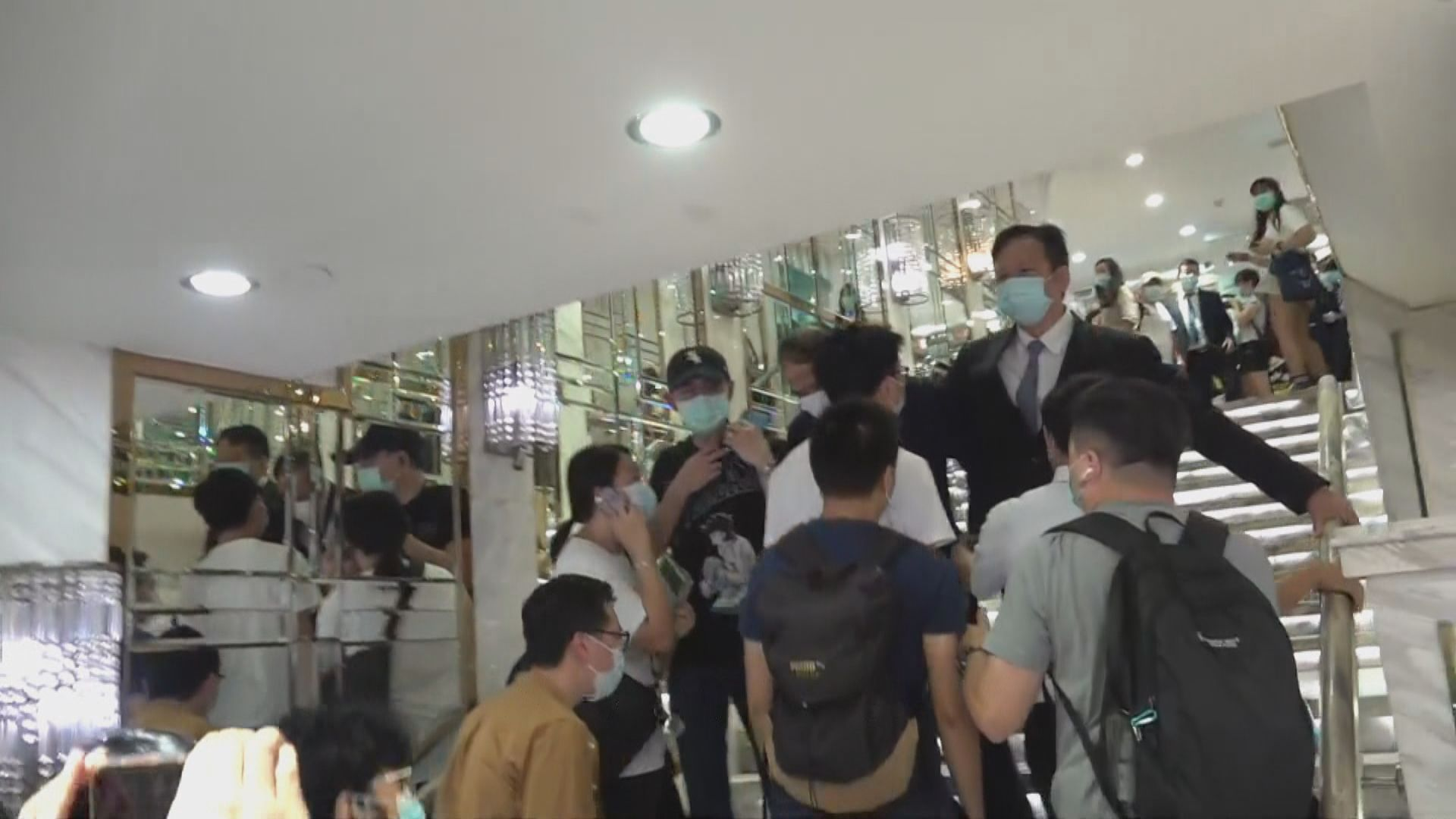 工會抗議富臨迫員工放無薪假以圖避繳遣散費