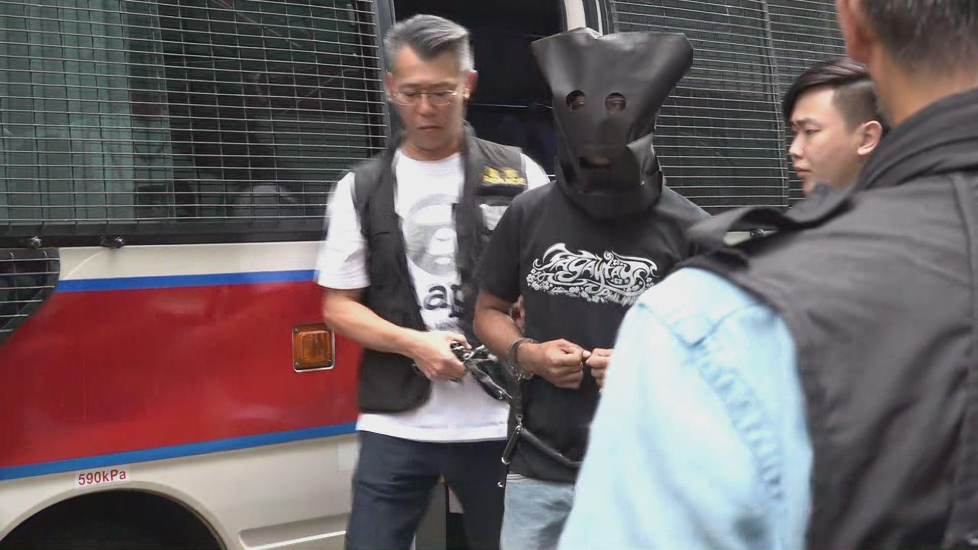 尖沙咀找換店劫案拘七人 警指尚有人在逃