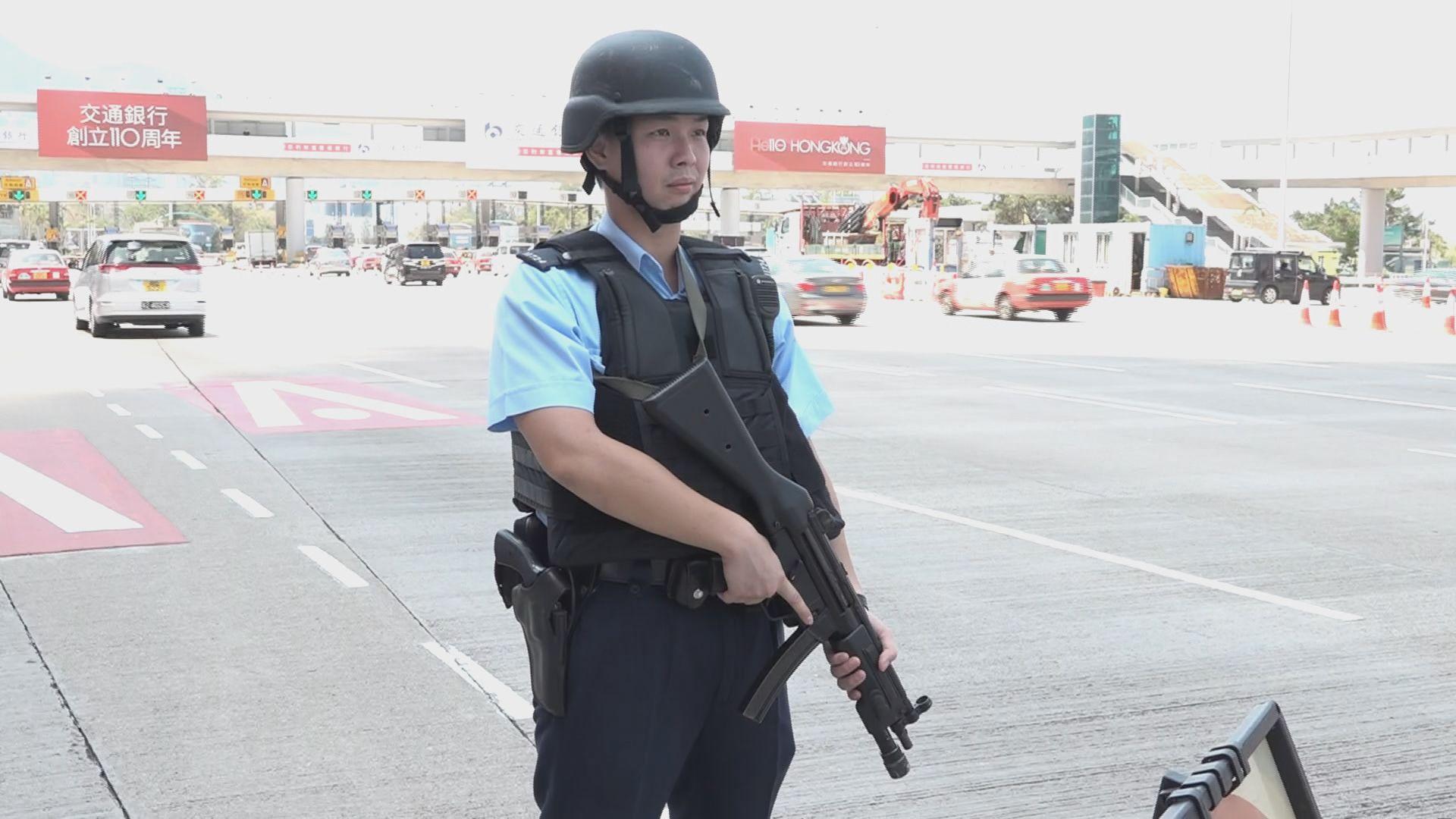 紅磡珠寶店職員遭截劫 持槍警員多處設路障