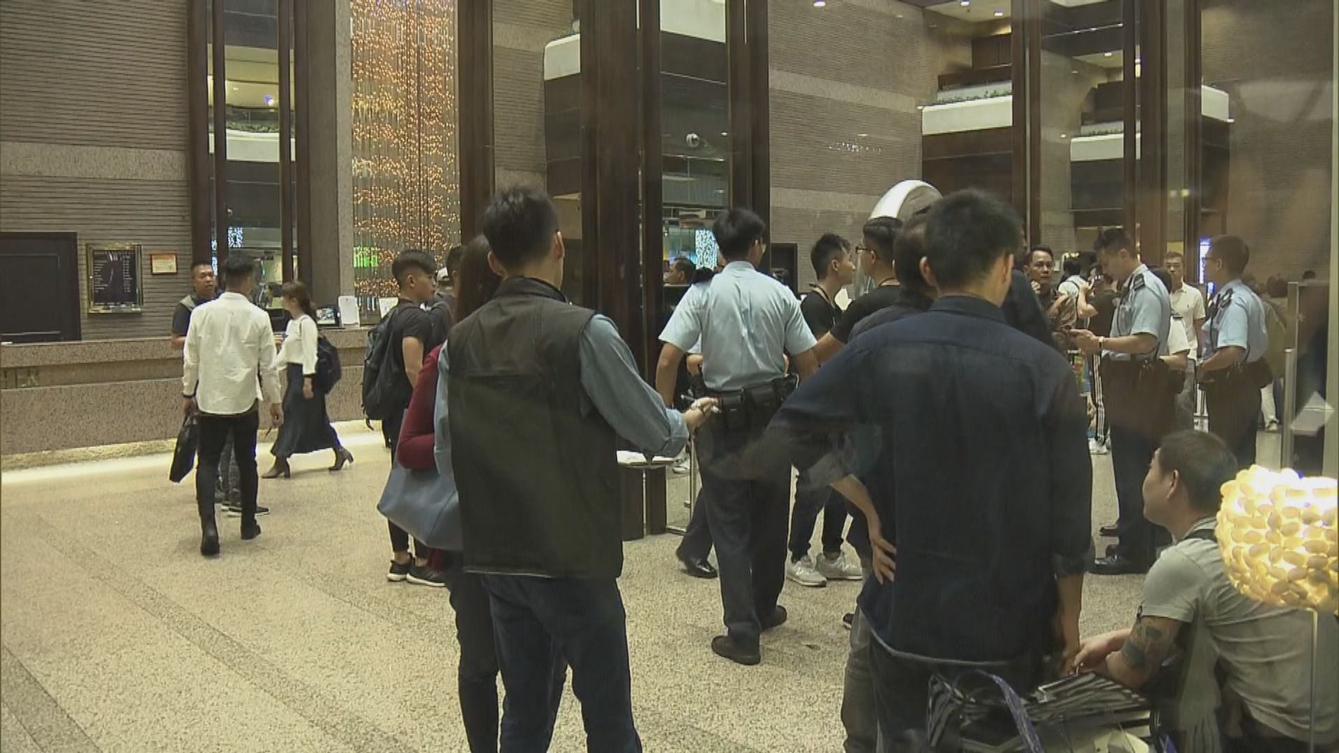 沙田酒店劫案找換店職員失一千五百萬