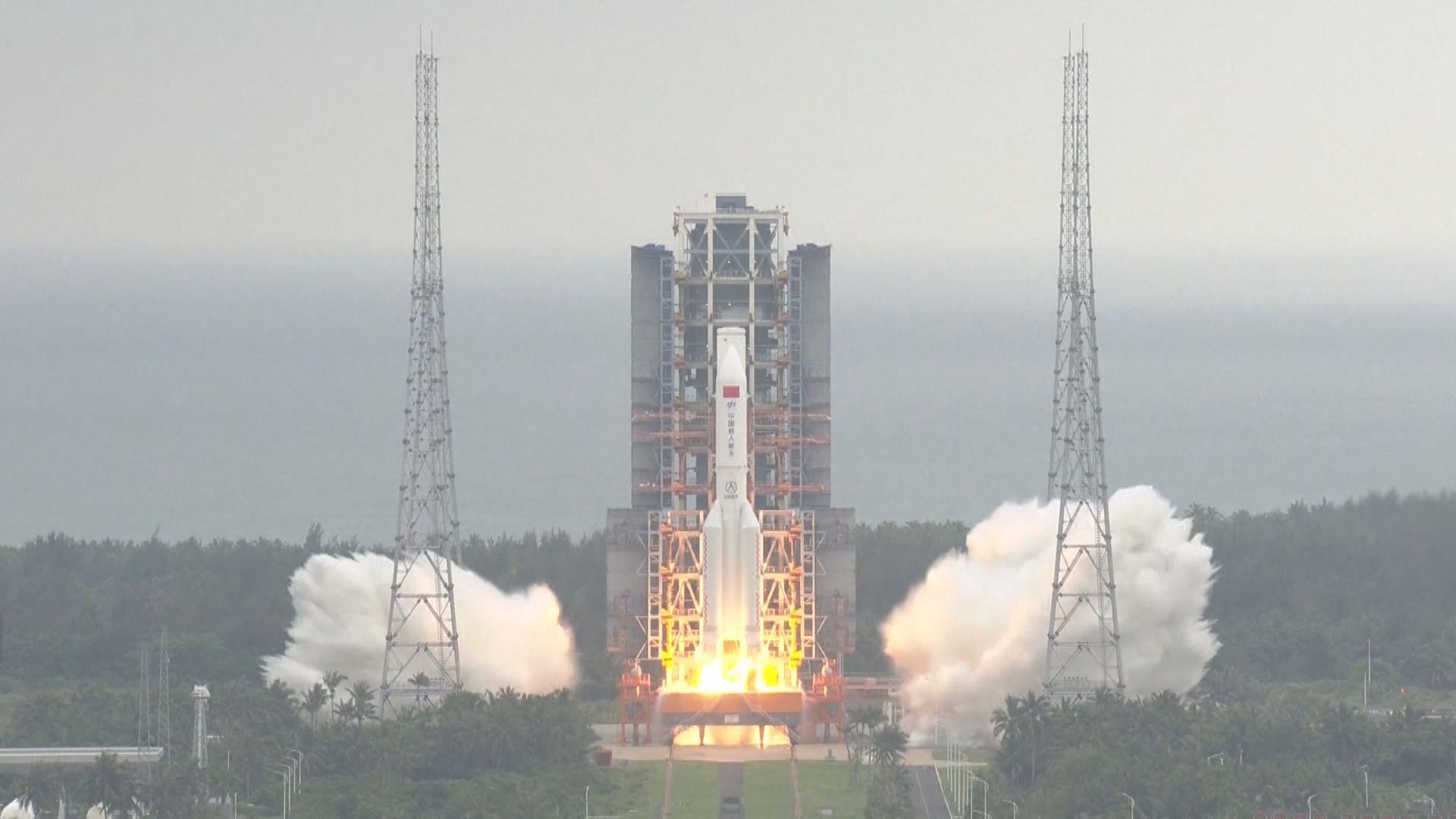 長征五號火箭料數日內重返大氣層 或有碎片墜地球