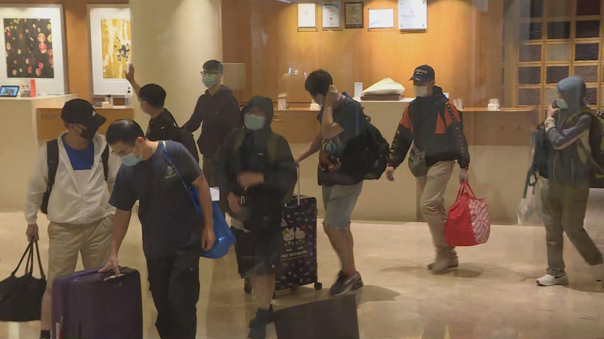 帝苑酒店房客撤離 約三百名男員工須隔離檢疫