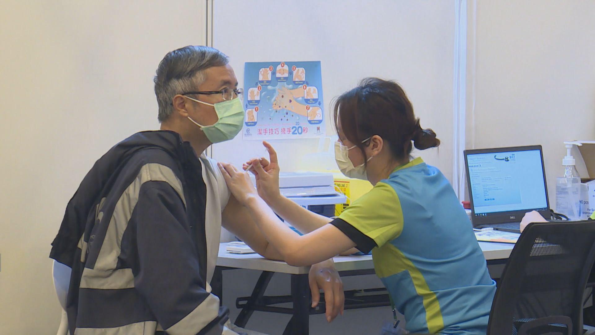 聶德權:未來幾天會開放第三周疫苗預約名額