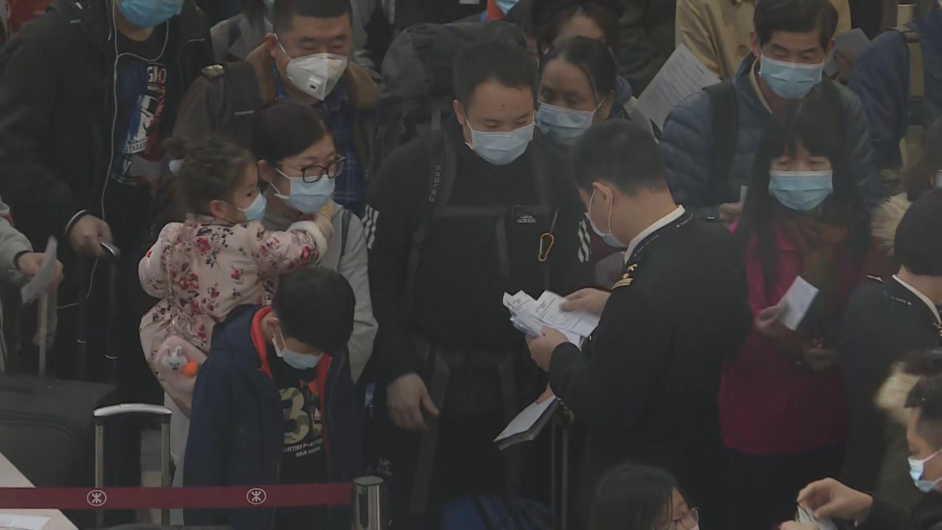 袁國勇:警察可調查相關人士有否執行強制隔離