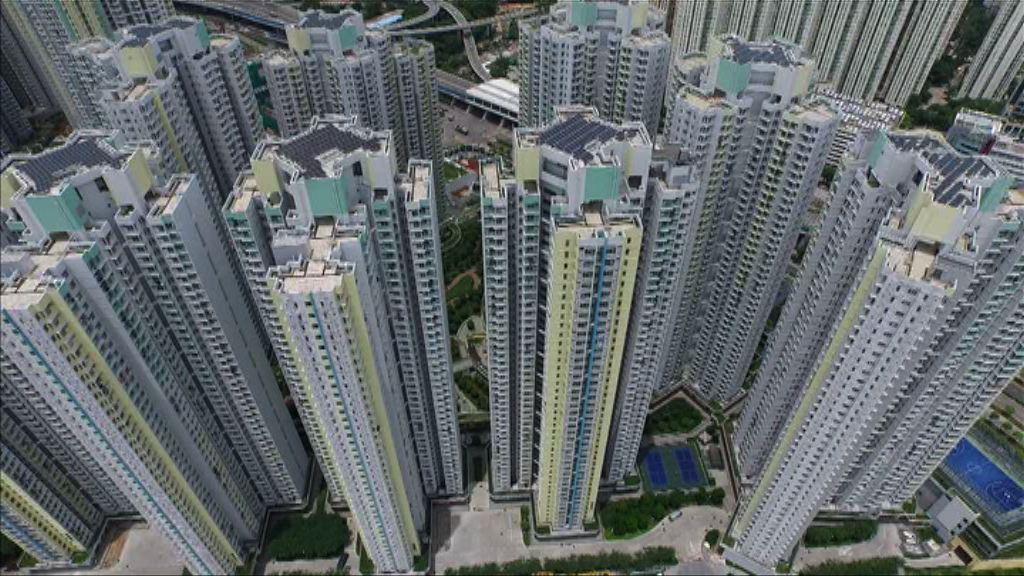 黃遠輝:林鄭80萬個公屋單位估算不科學