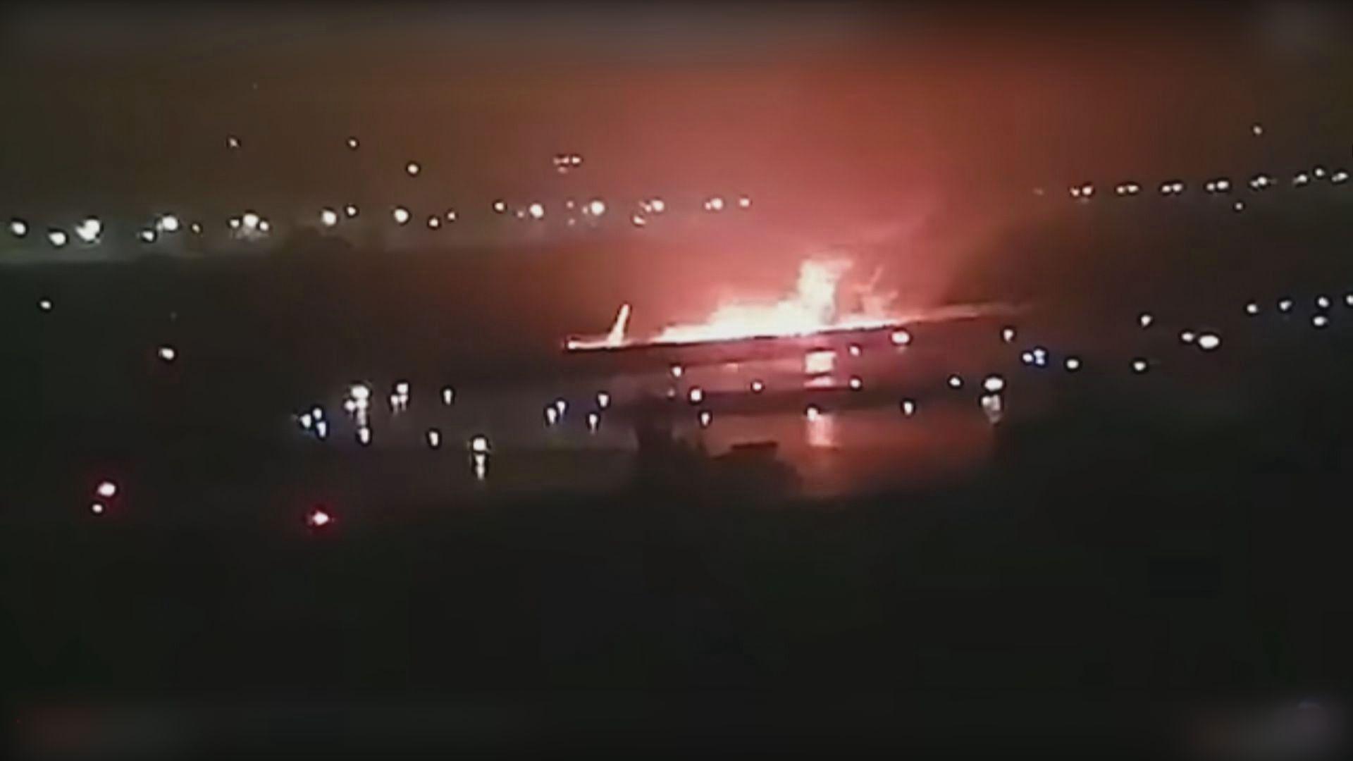 俄羅斯索契有客機滑出跑道並起火 18人傷