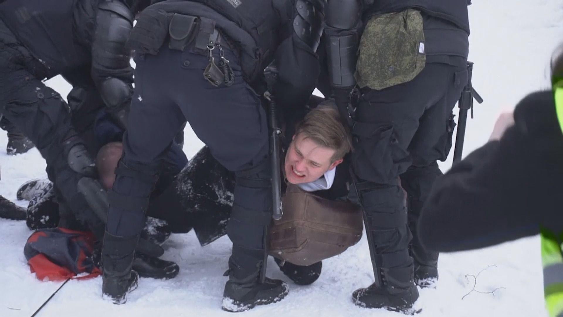 俄羅斯各地有民眾示威要求釋放納瓦爾尼 逾五千人被捕