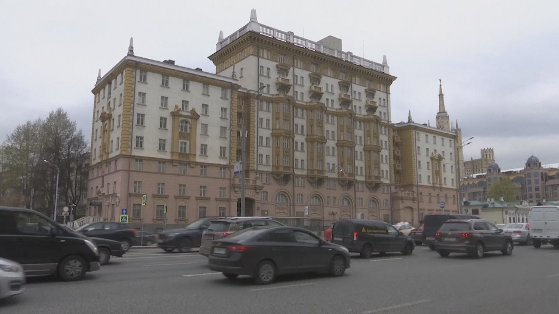 美國宣布暫停向俄羅斯民眾提供簽證服務