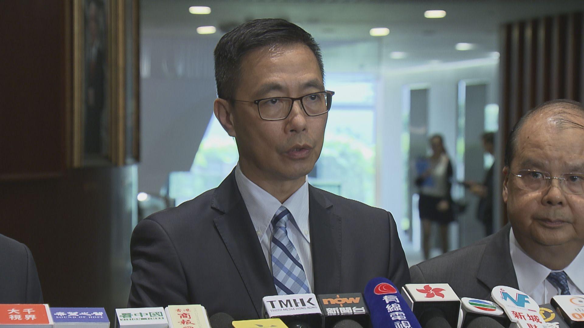楊潤雄︰有校車遭破壞 有學校被恐嚇