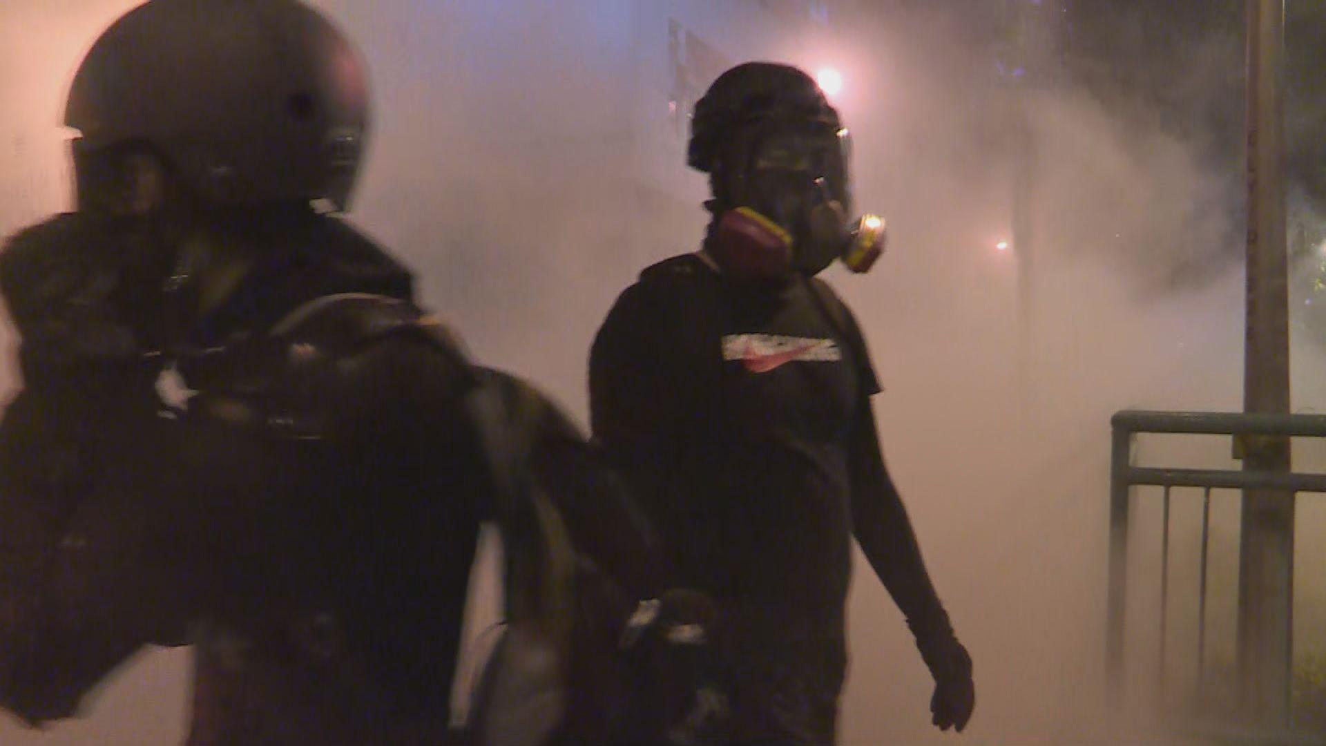 警方沙田放催淚彈惹居民不滿