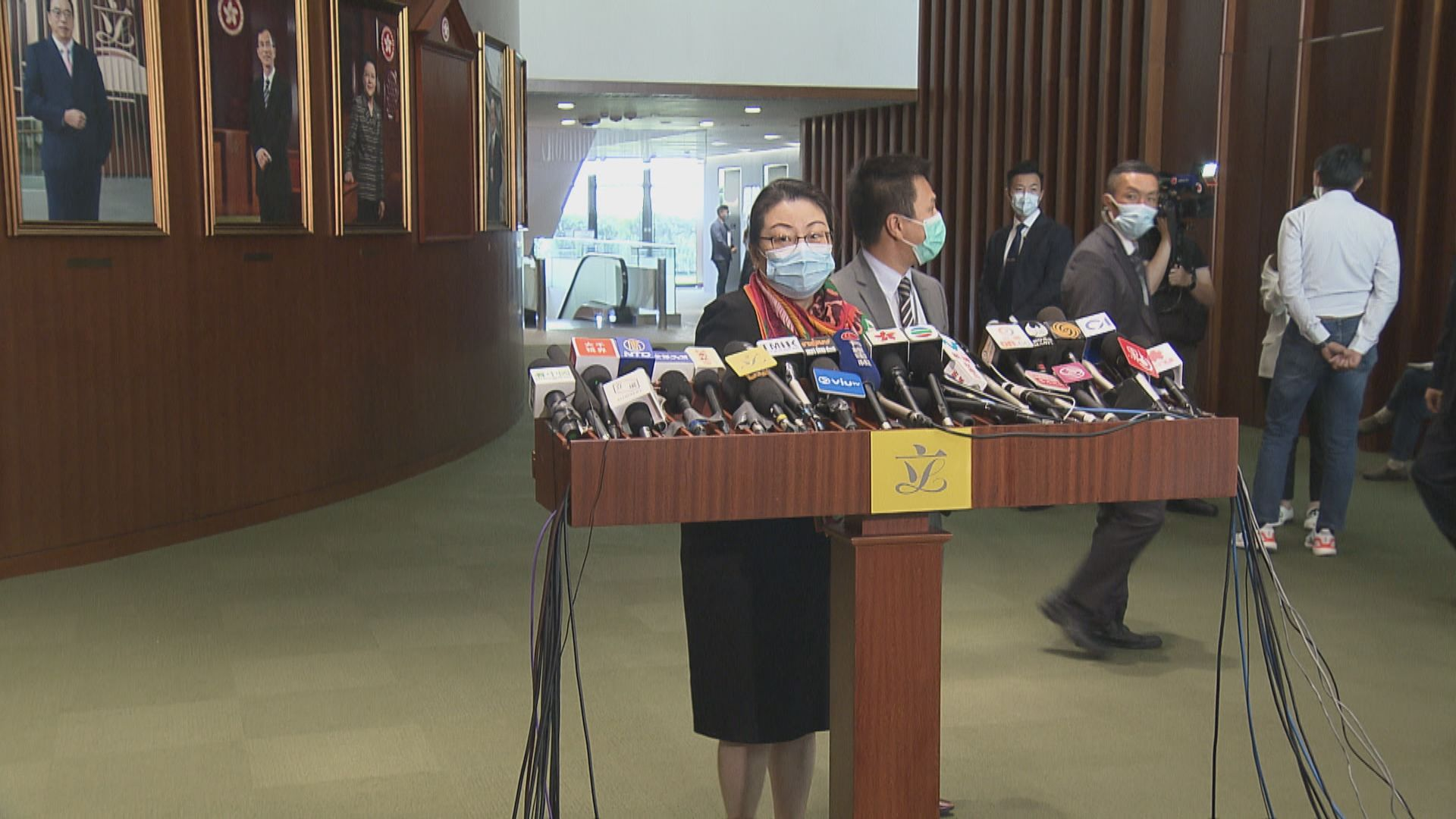 鄭若驊:政府就泛民初選收投訴 會深入調查