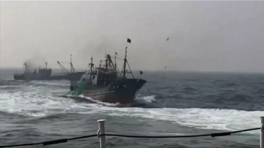 中國漁船在南韓水域非法捕魚被截獲