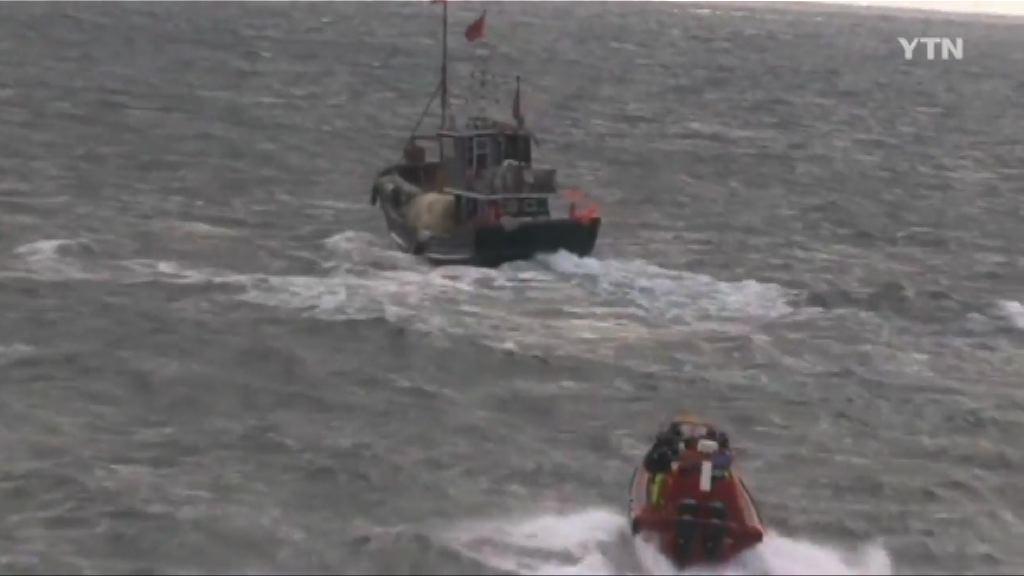 韓方指中國漁船撞沉韓海警船逃去