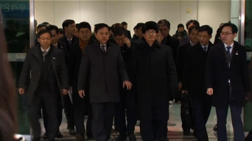 北韓冰球代表團及冬奧先遣隊抵南韓