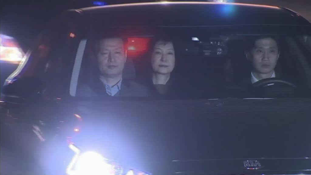 朴槿惠首次在拘留所接受檢方問話