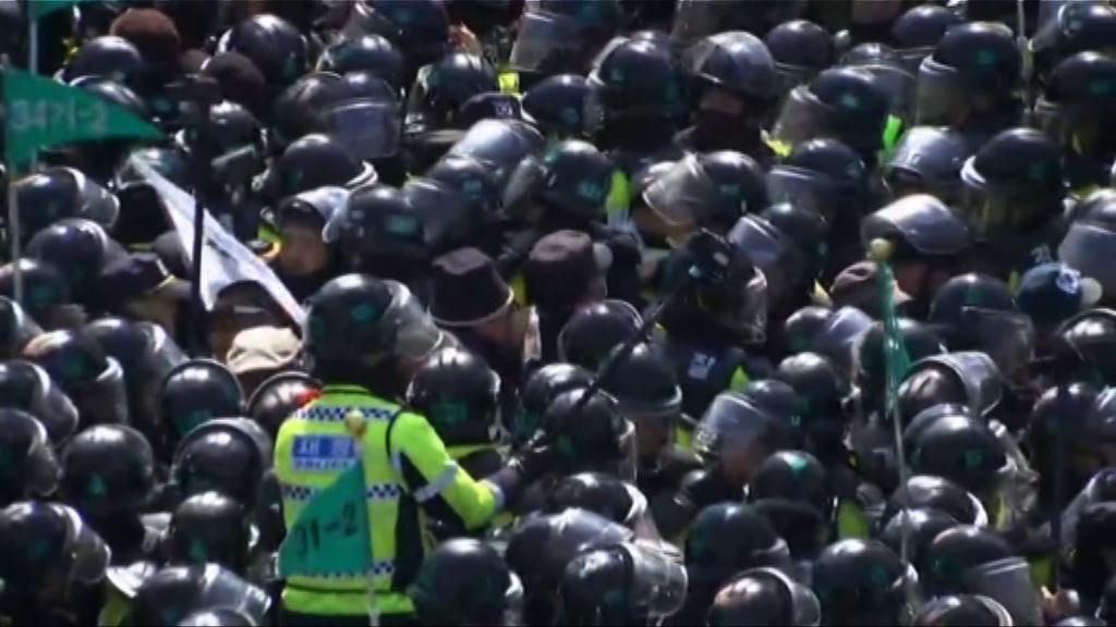 朴槿惠下台觸發示威最少兩死六傷