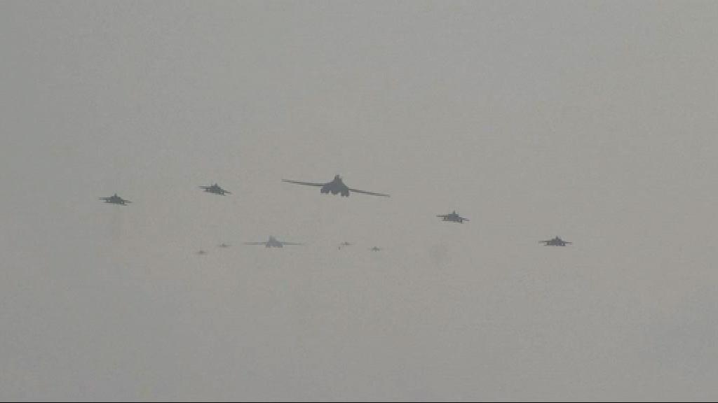 美軍兩架戰略轟炸機飛越朝鮮半島