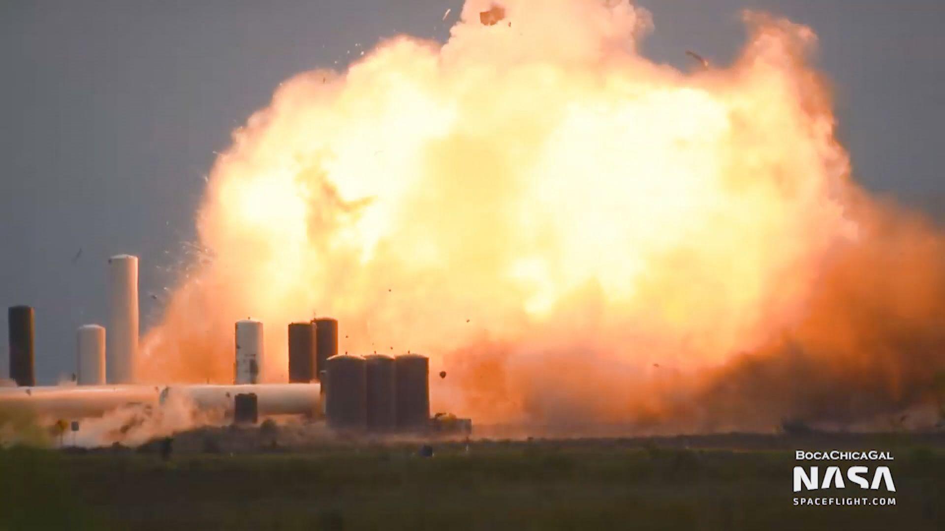 SpaceX新型星艦火箭原型測試時爆炸