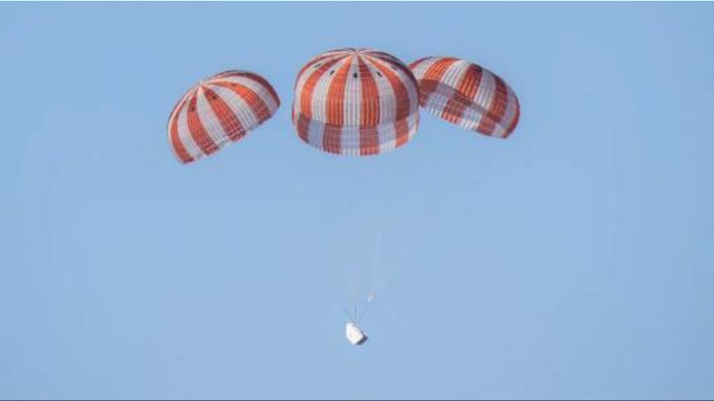 SpaceX貨運飛船返抵地球