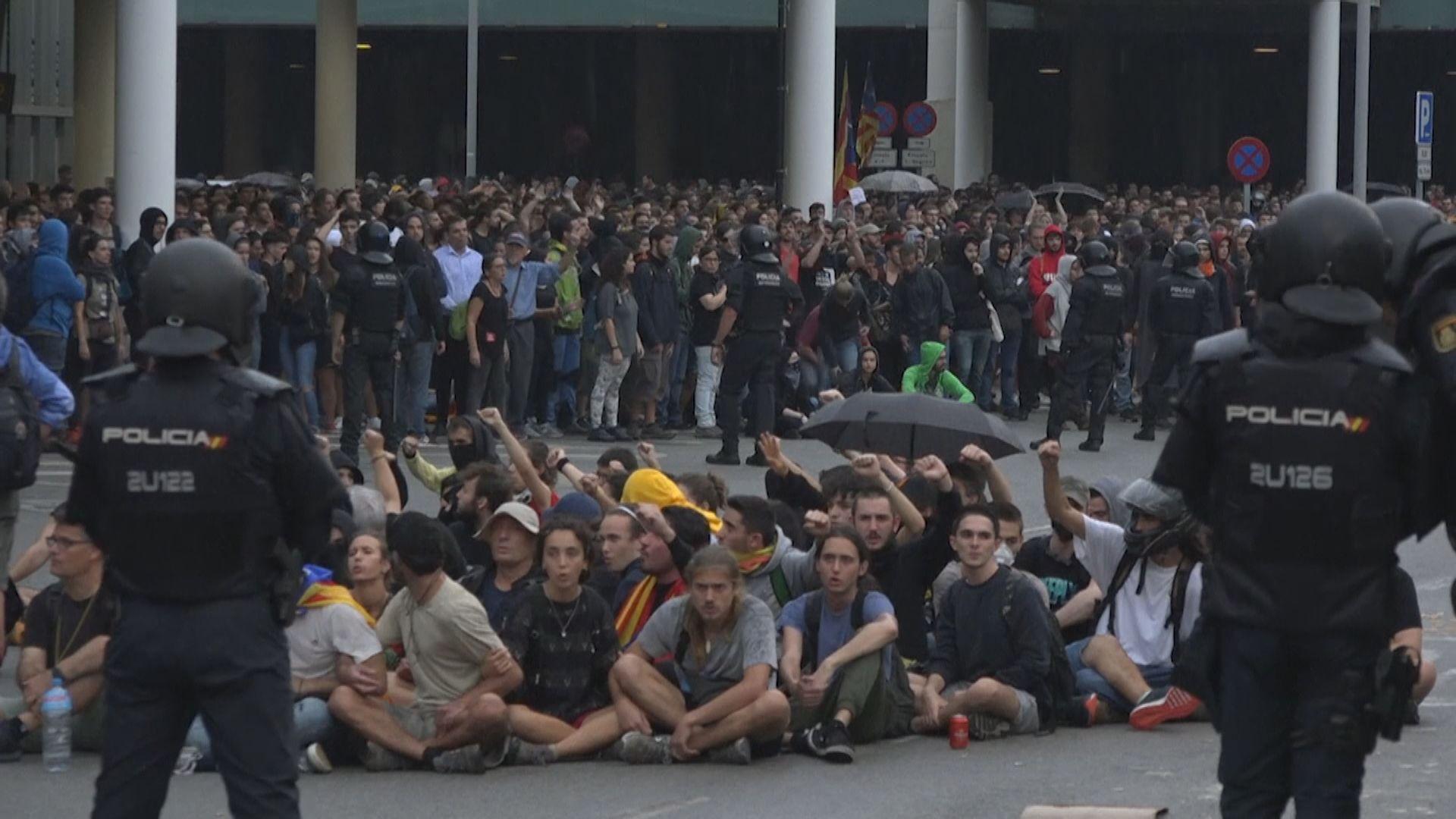 加泰獨派領袖重判入獄示威者圖癱瘓巴塞機場