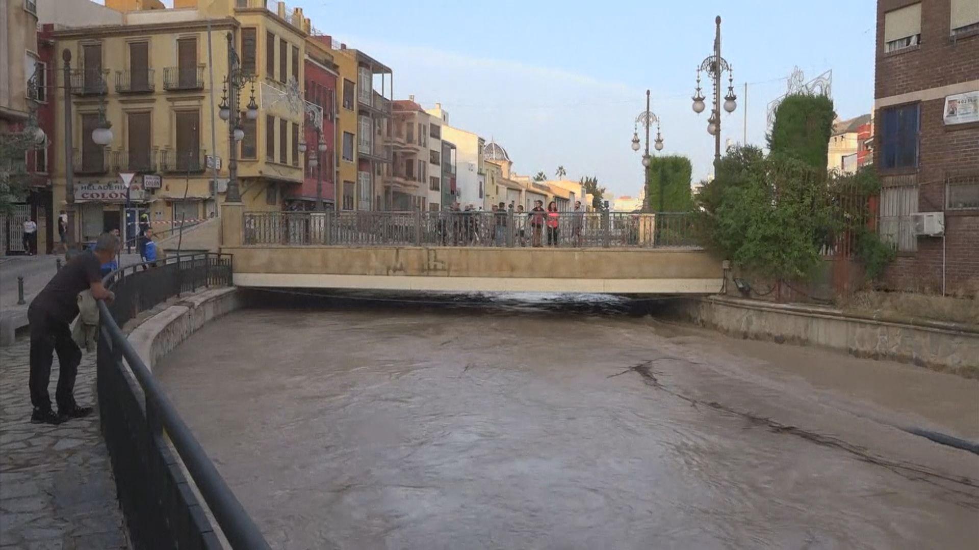 西班牙東南部暴雨成災 5人死亡