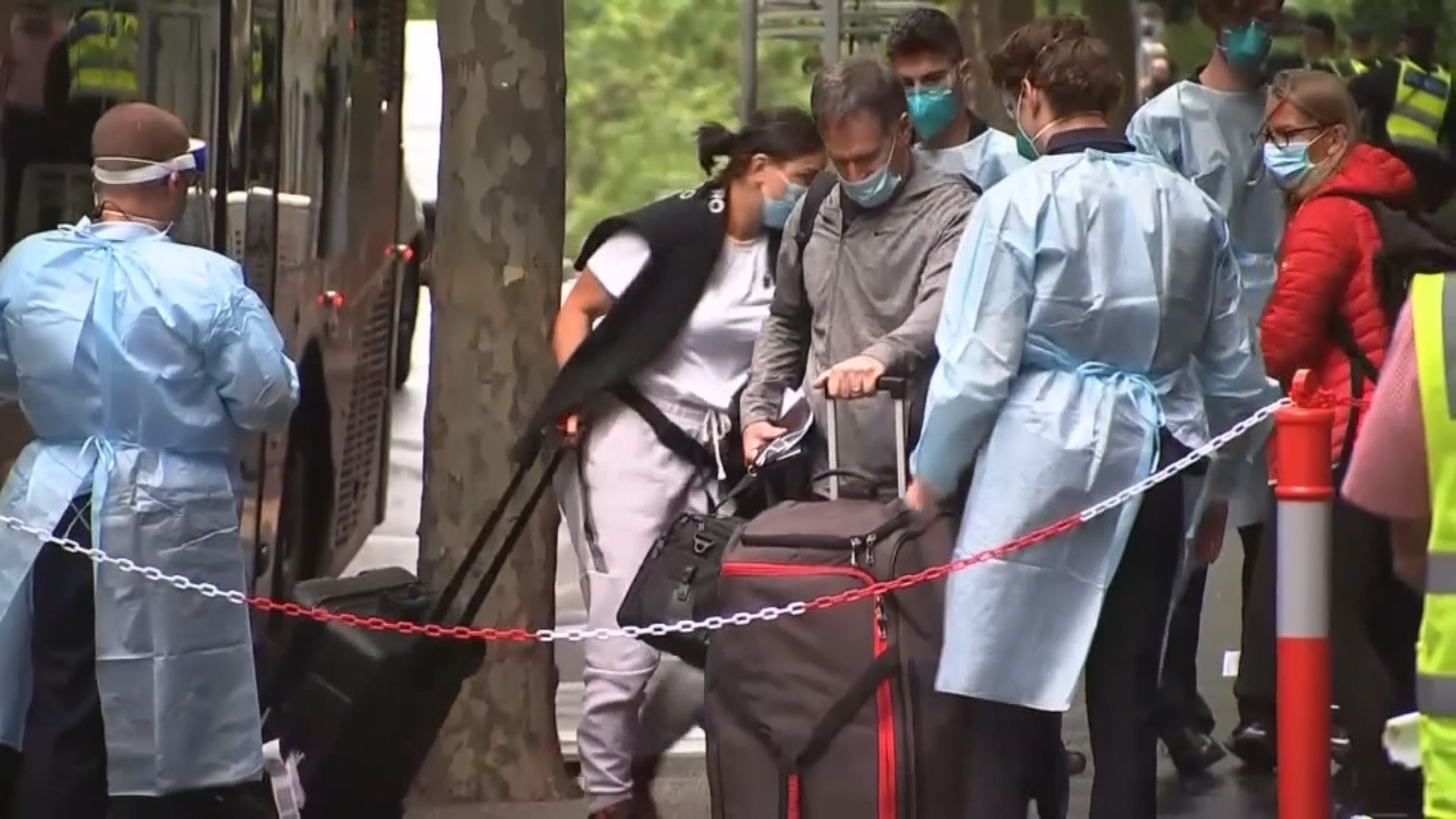 澳網球員入住酒店工作人員現確診案例 熱身賽全停