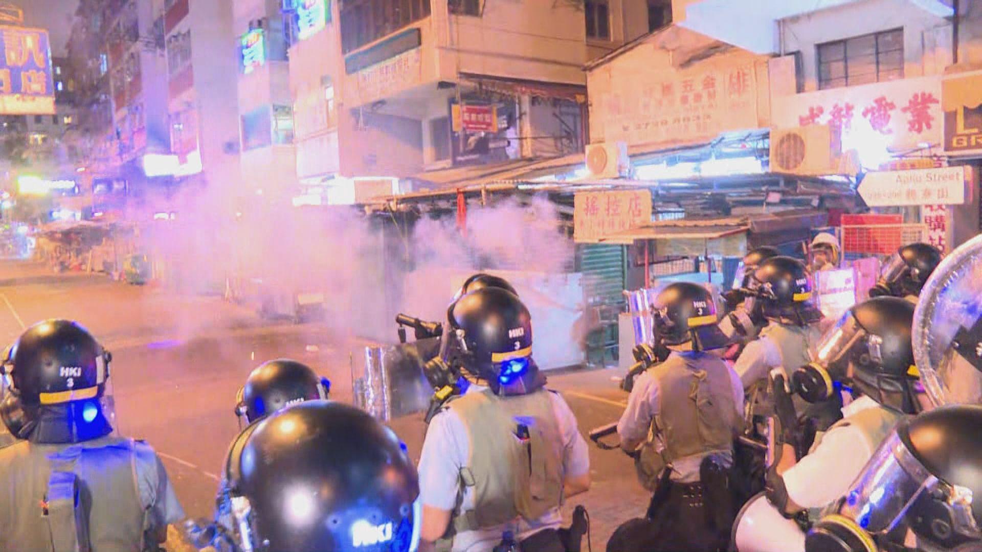 深水埗群眾被驅散後警員陸續離開