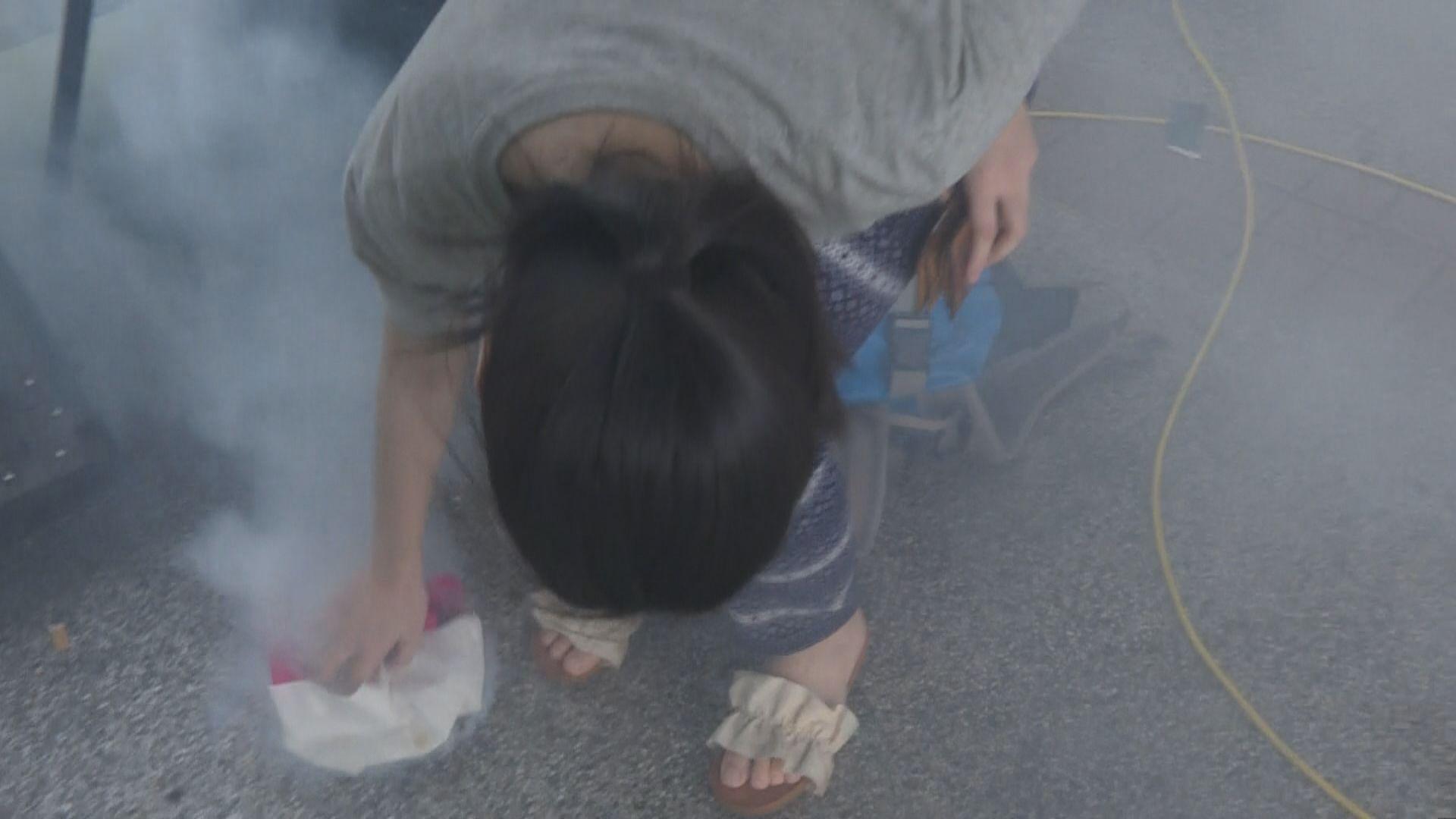 警於深水埗及荔枝角施放催淚彈驅散示威者
