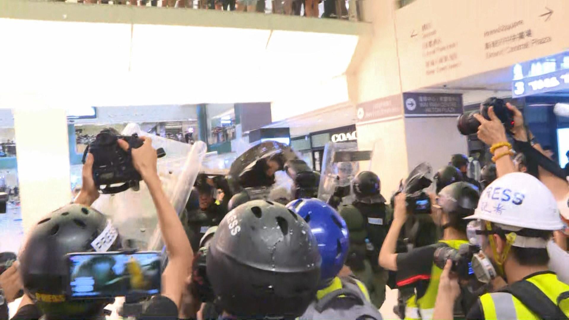 新地:將按警方要求交出新城市廣場閉路電視片段