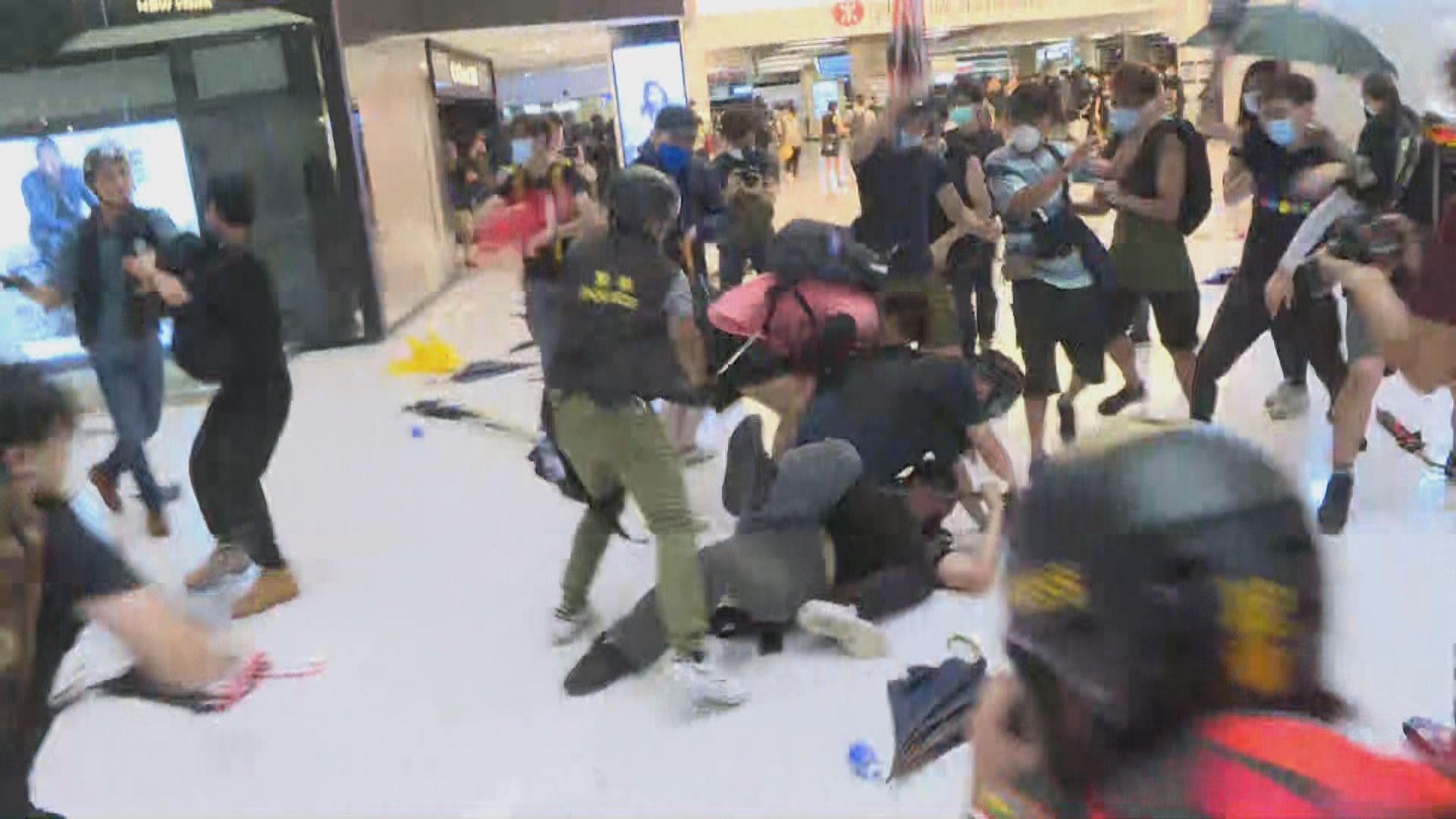 【沙田遊行】警方與示威者於新城市廣場衝突