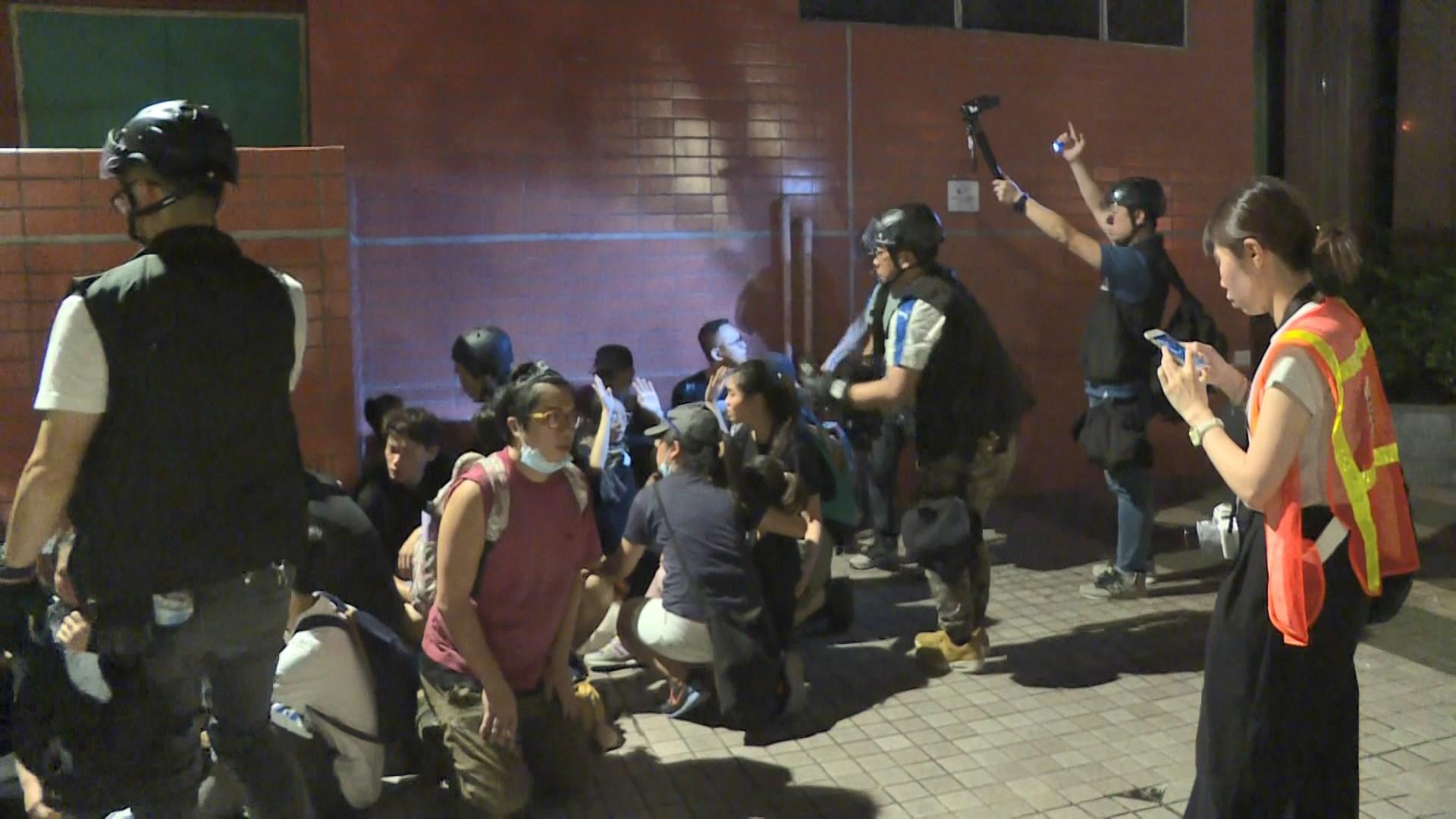 沙田衝突 警方包抄下示威者無路可走被捕