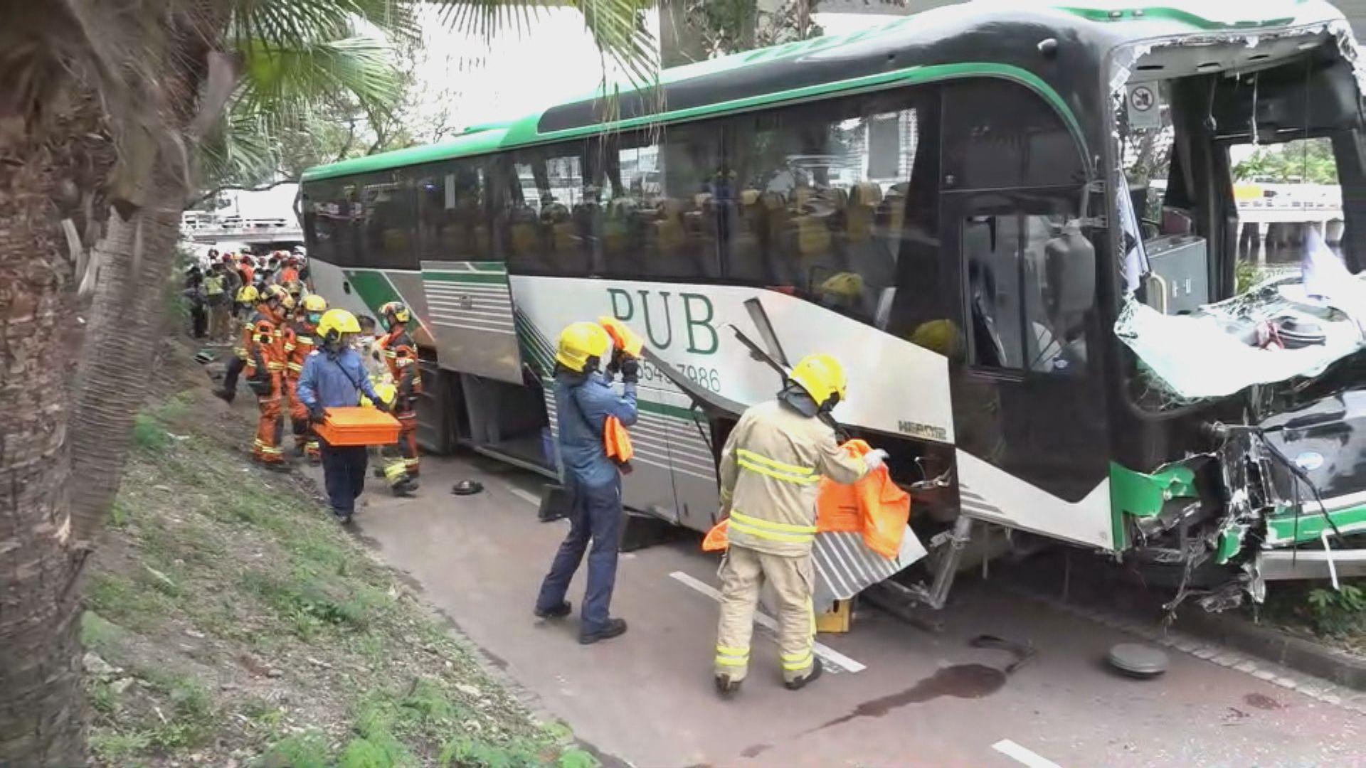 沙田有校巴與私家車相撞24傷 包括22名學童