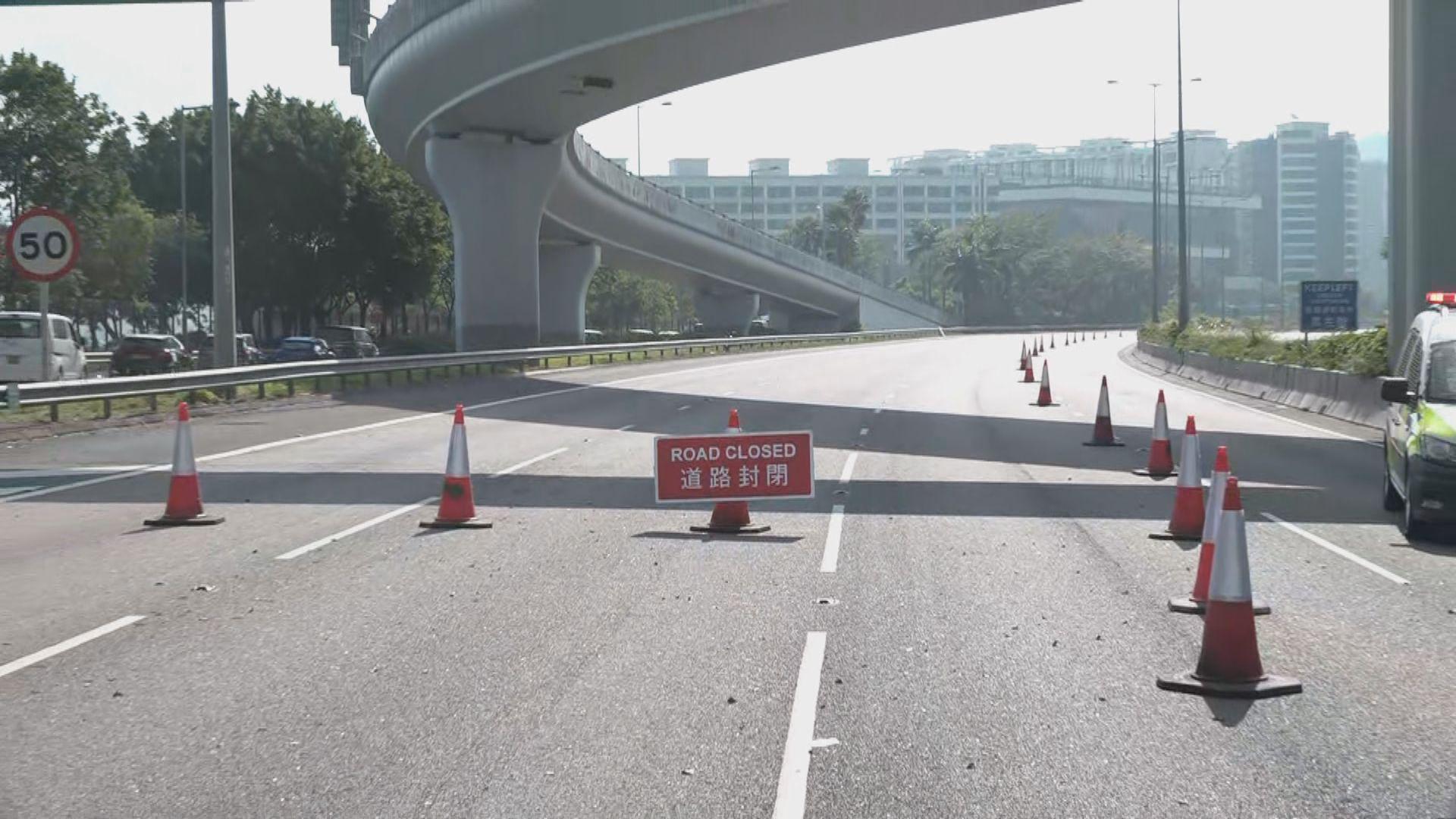 示威者開吐露港公路一線 運輸署:正清理未開通