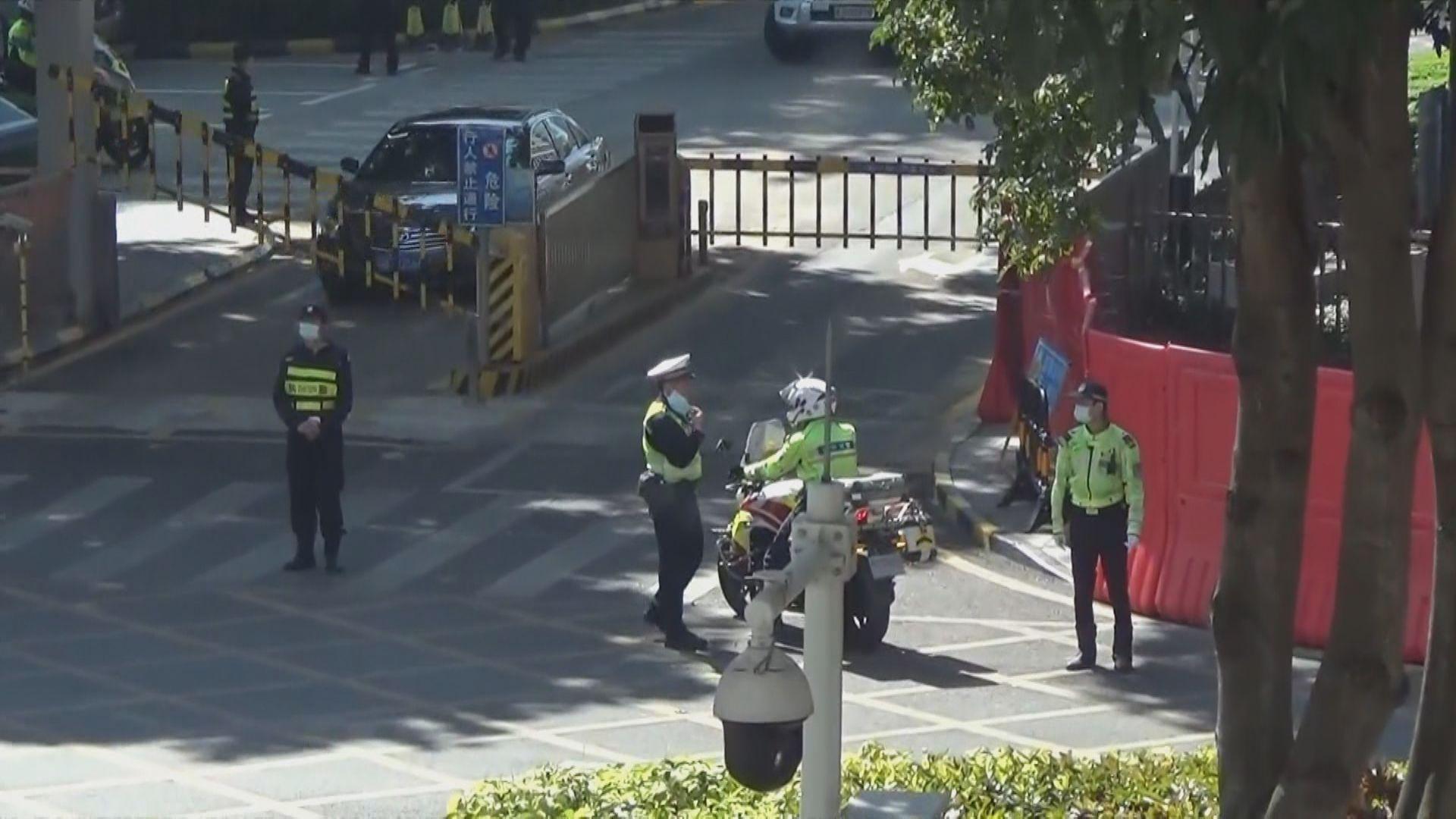 12港人案下午深圳鹽田法院開審 法院外多名保安戒備