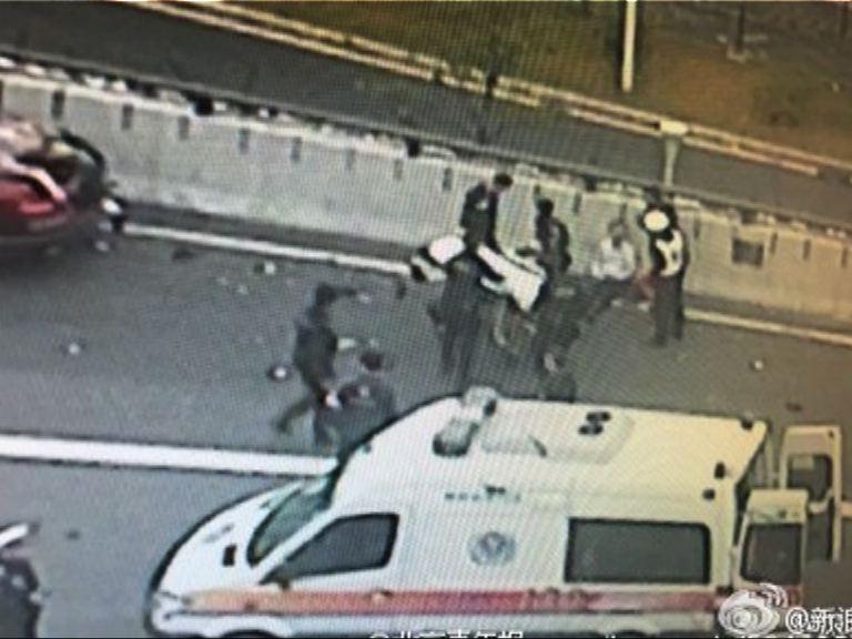 深圳寶安私家車撞人群最少七死