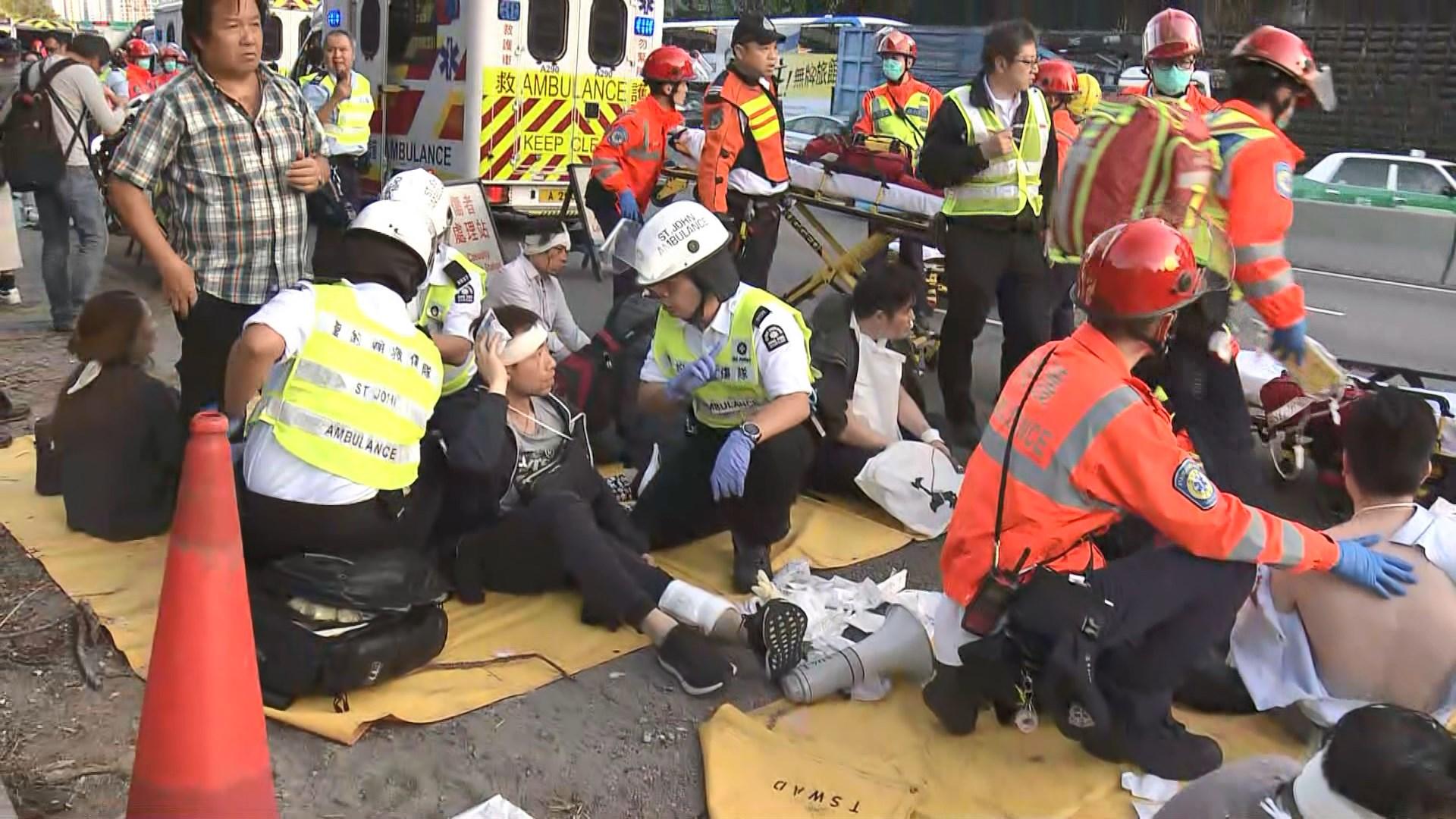 粉嶺公路巴士懷疑撞樹釀五死三十多人傷