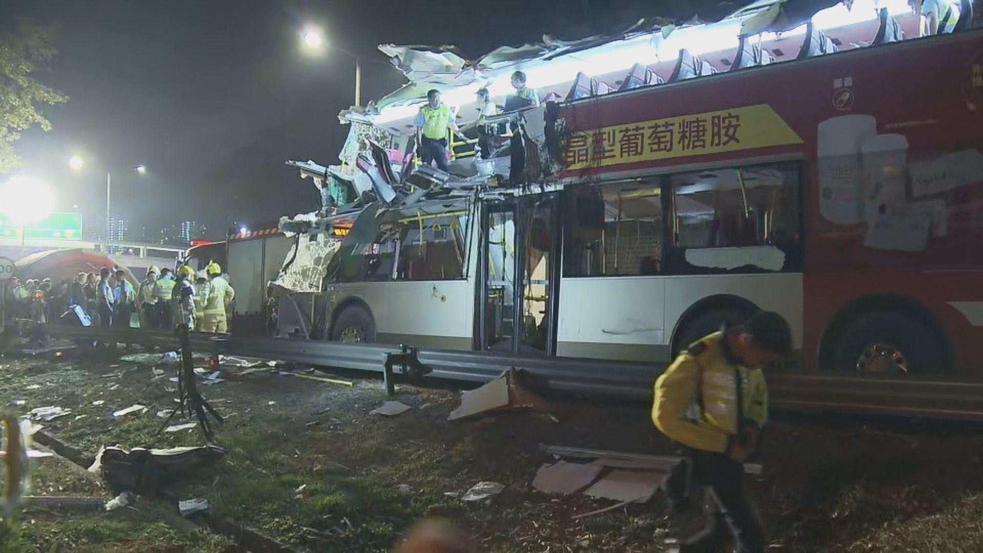 九巴撞樹車禍 司機涉危險駕駛導致他人死亡被捕