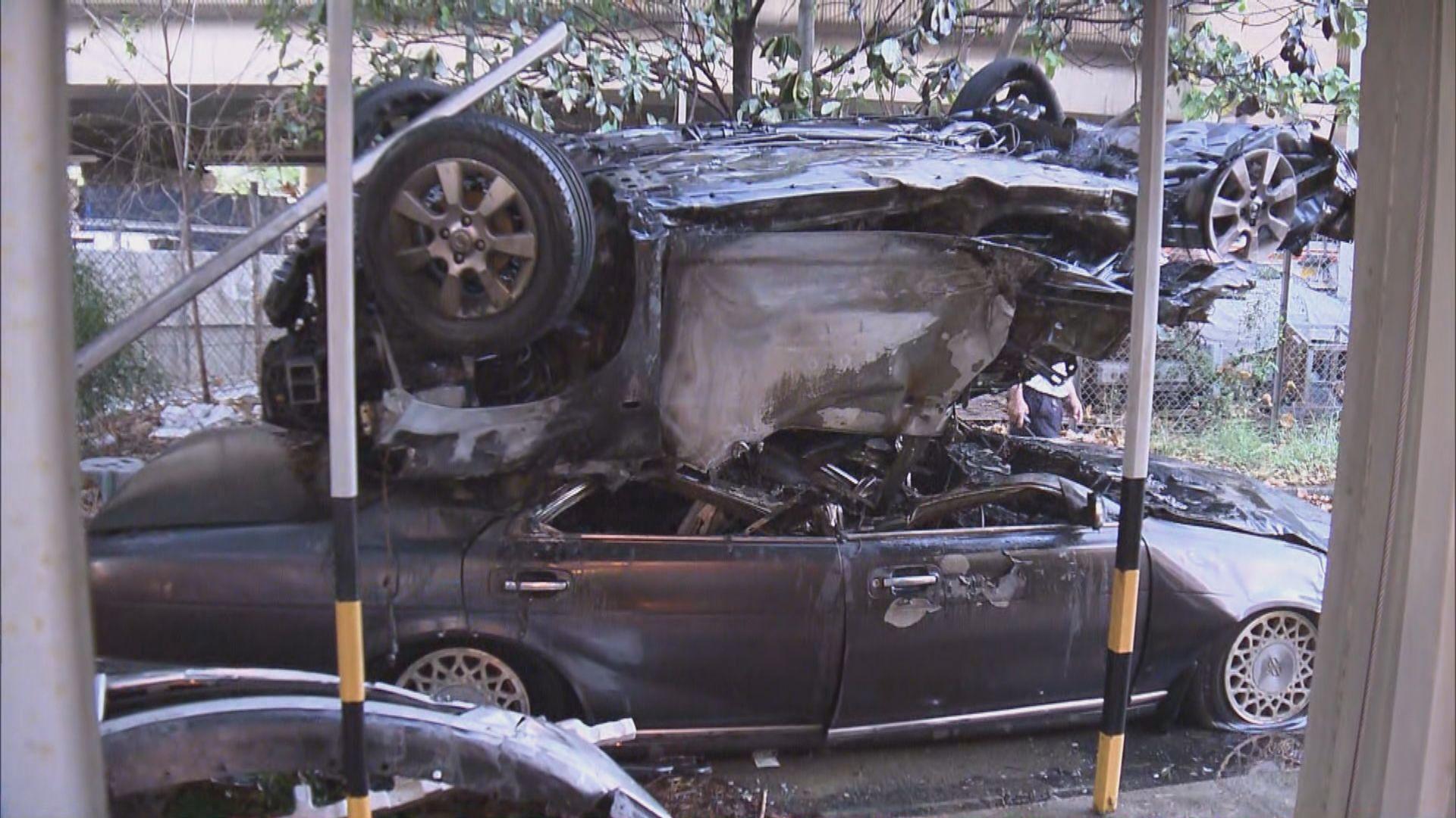 青葵公路兩車相撞後私家車墮橋着火兩輕傷