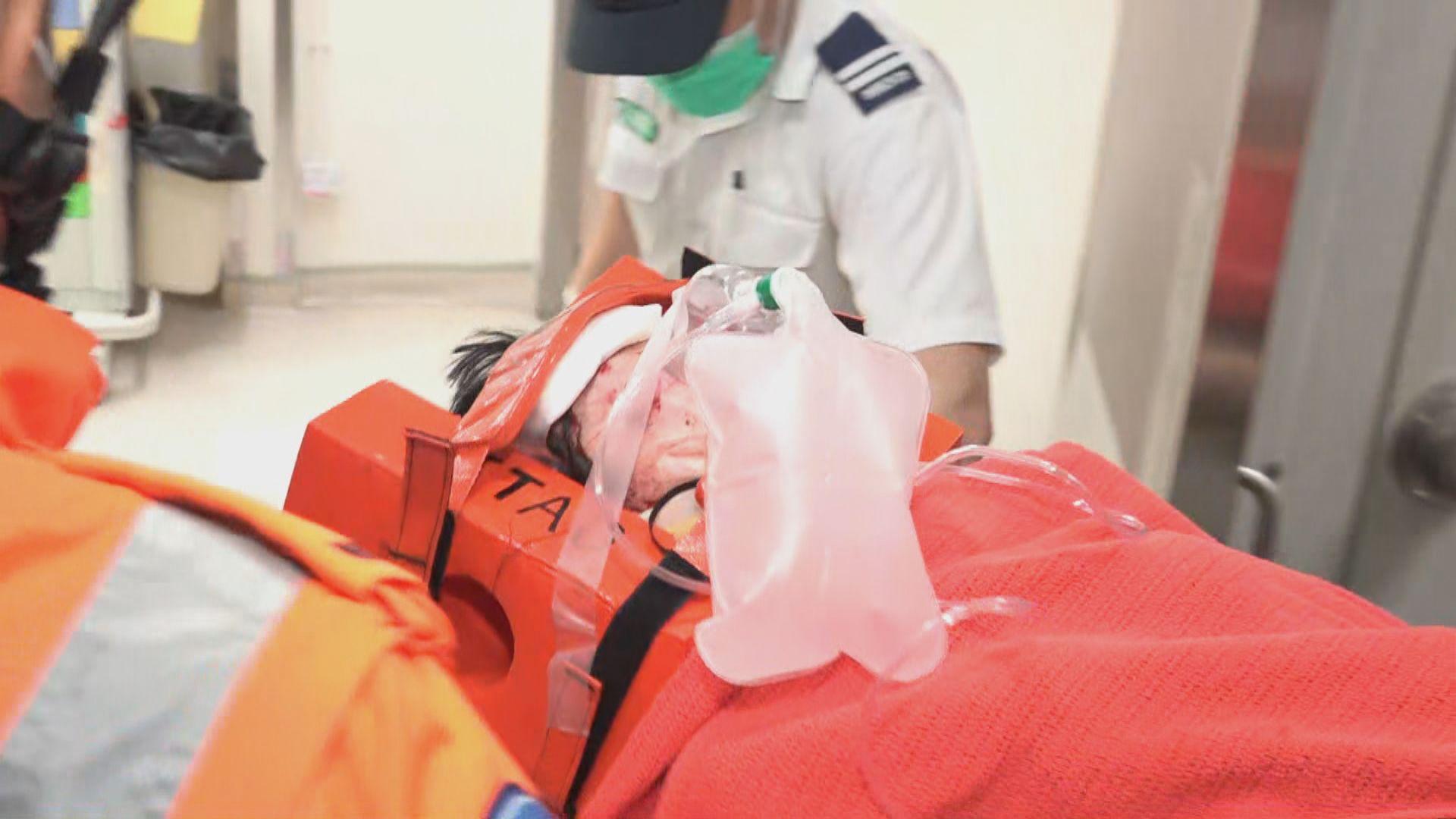 紅磡女子被私家車撞倒後壓在車底 昏迷送院