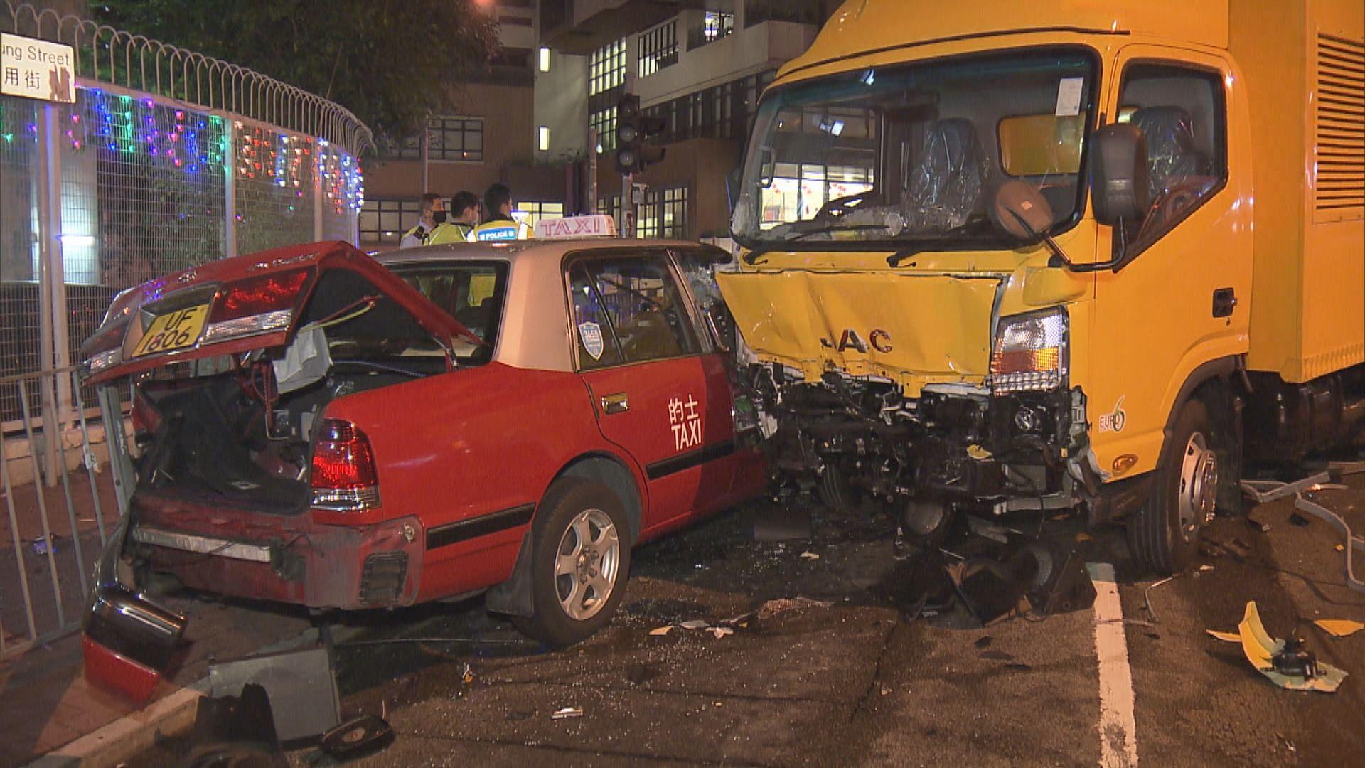 紅磡工程車失控越線撼的士釀兩傷