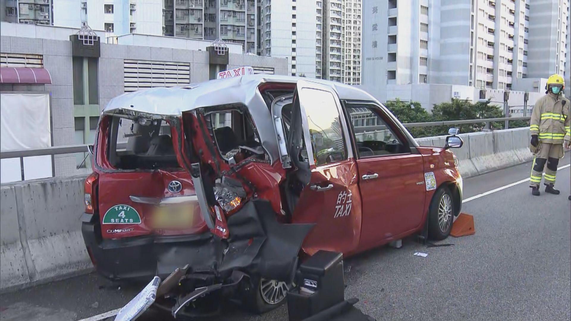 葵涌道天橋兩輛的士相撞六人受傷送院