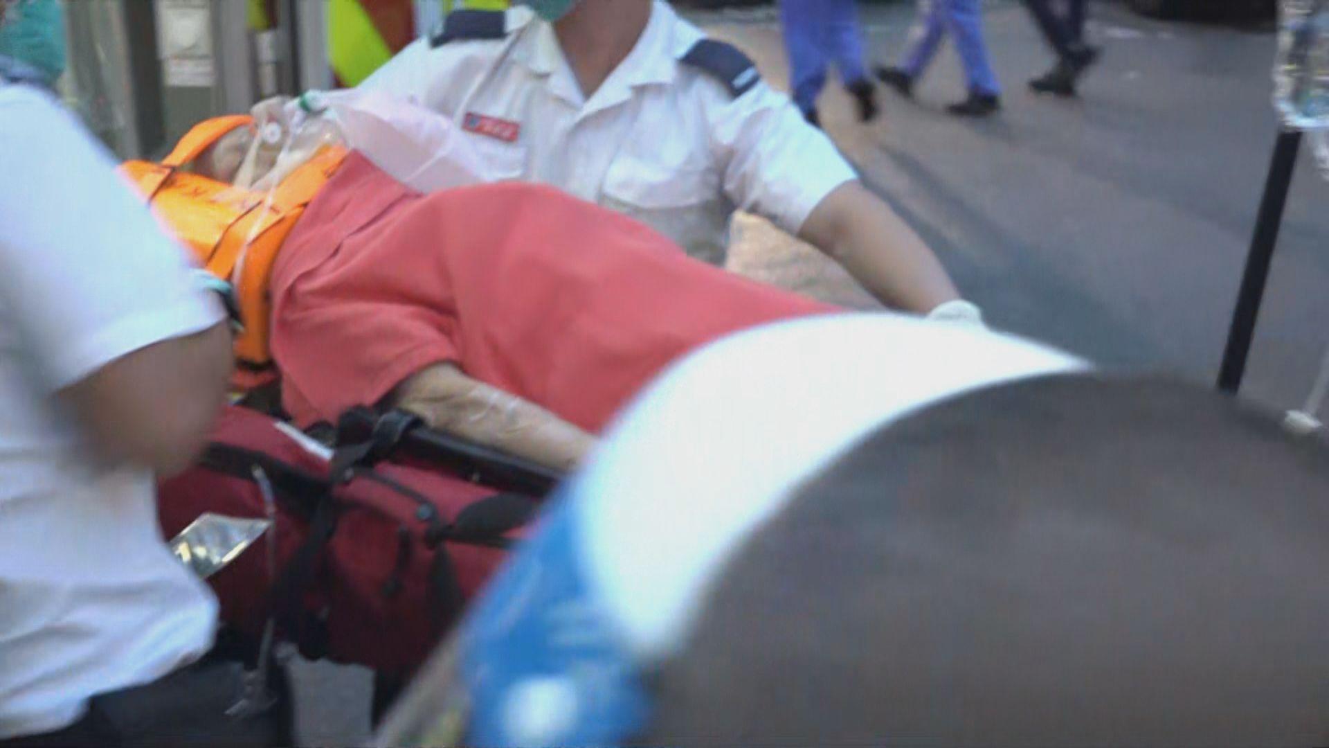 觀塘女子被貨車撞倒 昏迷送院