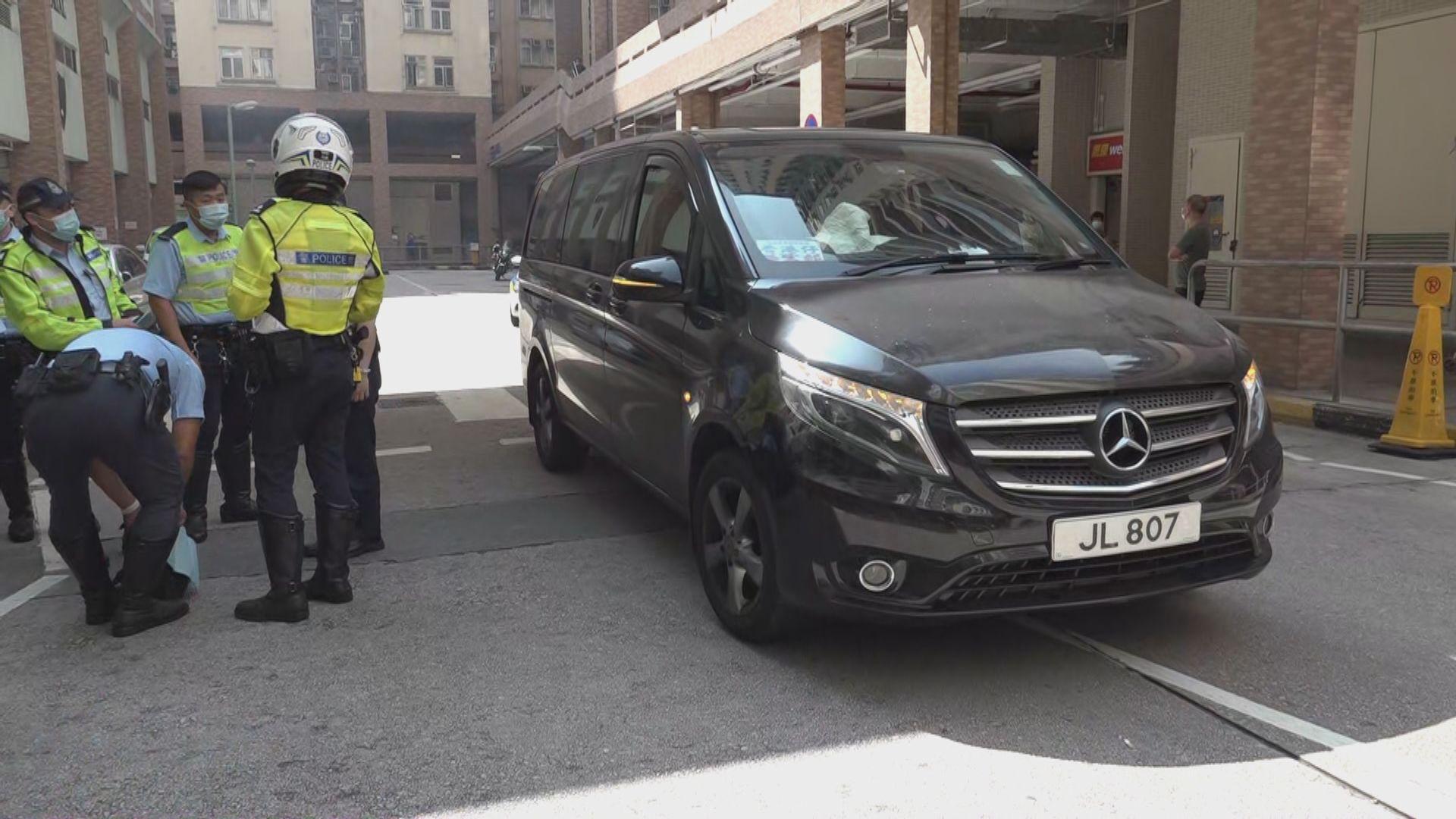 美孚老婦被客貨車撞倒 司機被捕