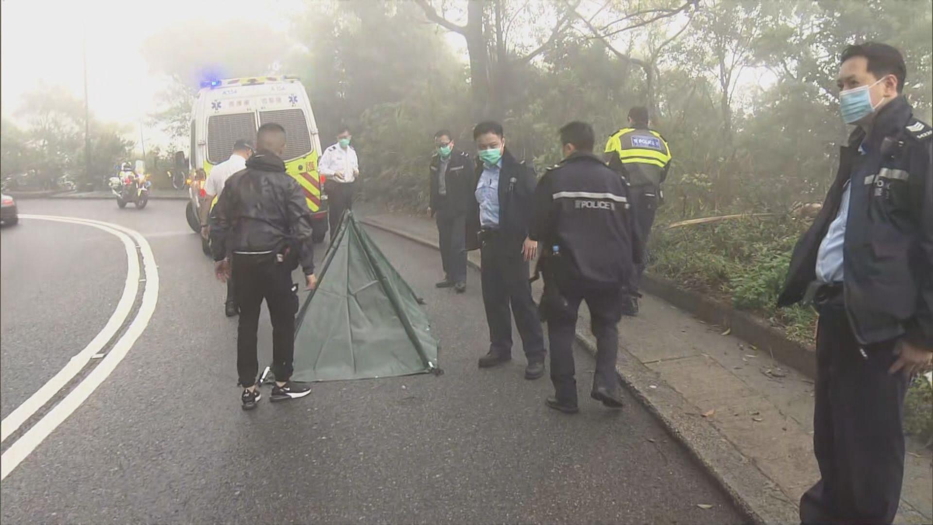 山頂踩單車男子被貨車撞死