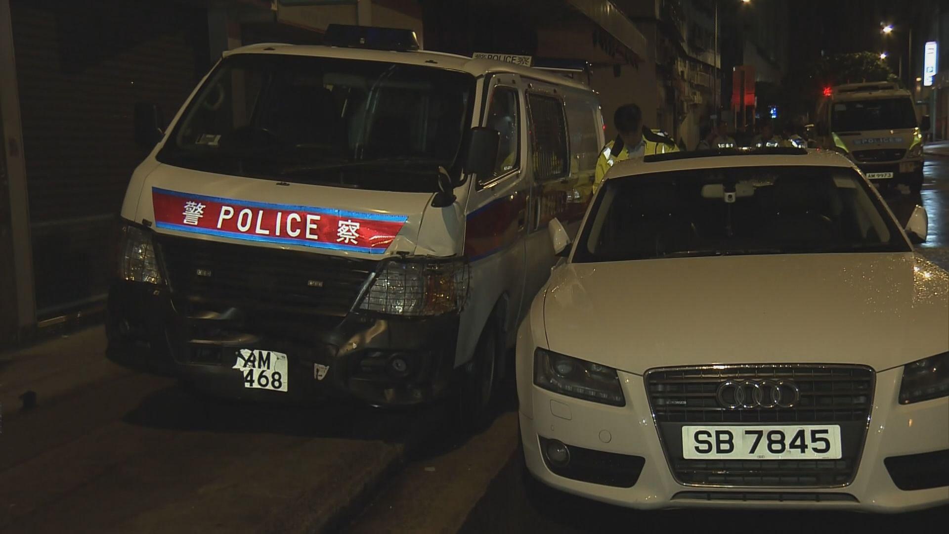 紅磡警車撼私家車相撞釀一傷