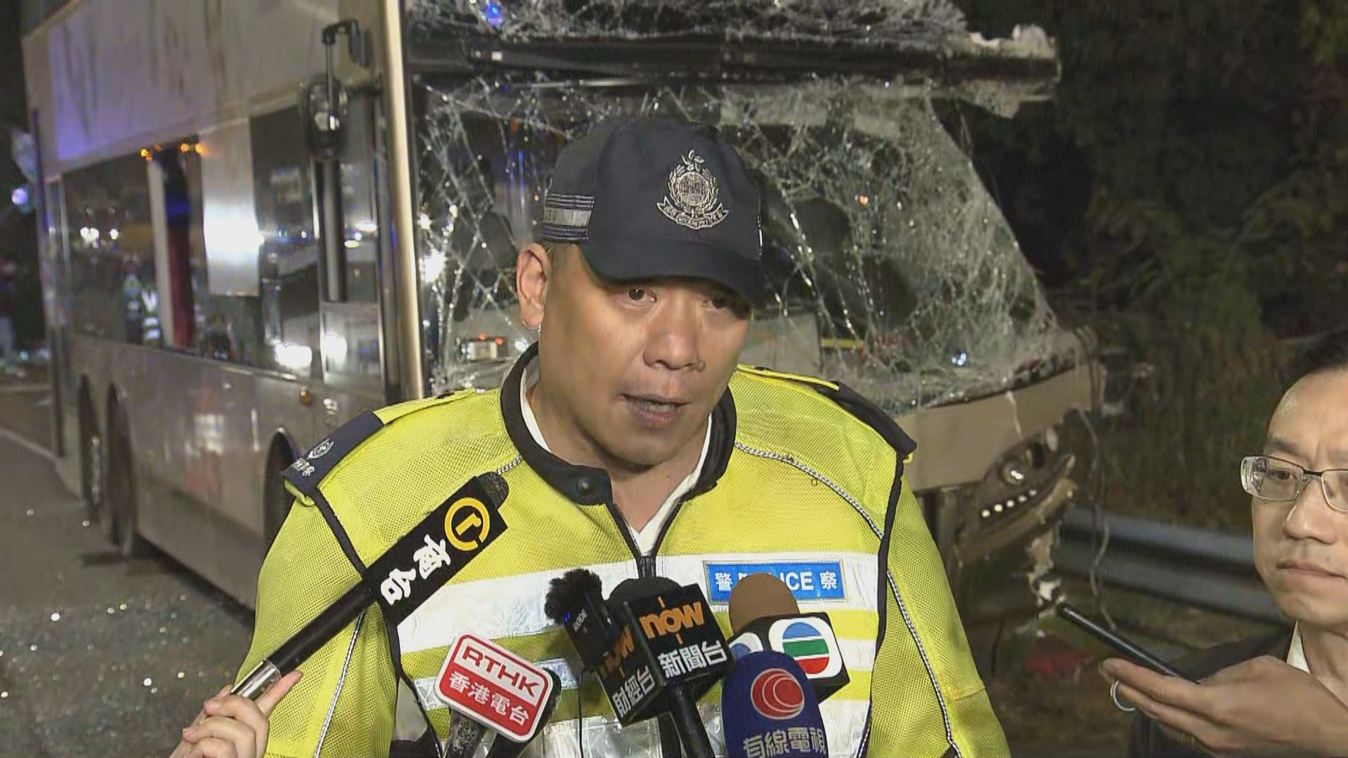 警方稱九巴意外現場未收到有樹枝阻礙行車線報告